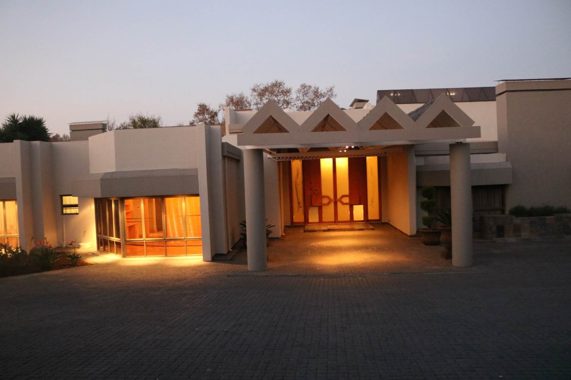 Property and Houses for sale in Mooikloof Equestrian Estate, House, 5 Bedrooms - ZAR 9,850,000