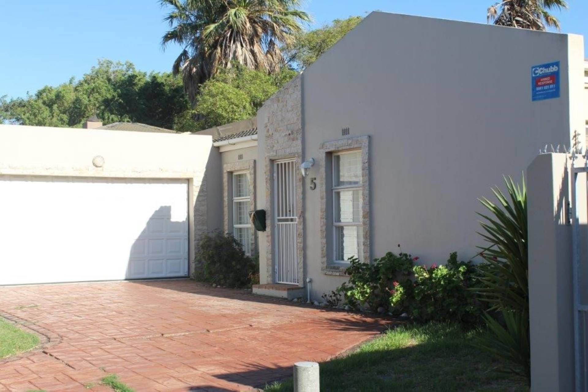 3 BedroomHouse For Sale In Table View