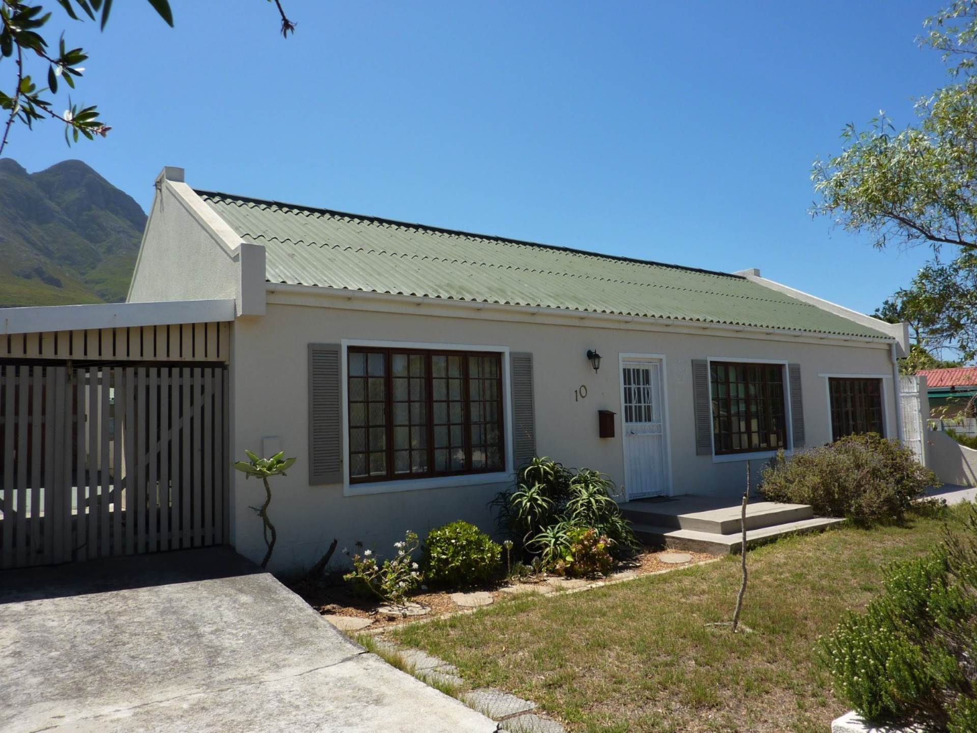2 BedroomHouse For Sale In Palmiet
