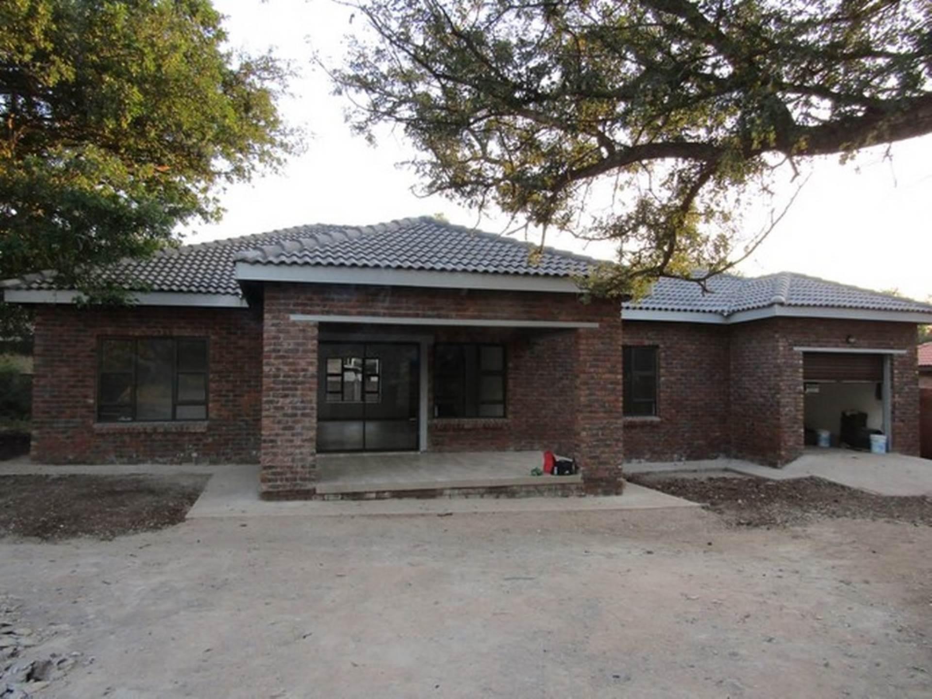 3 BedroomHouse For Sale In Komatipoort