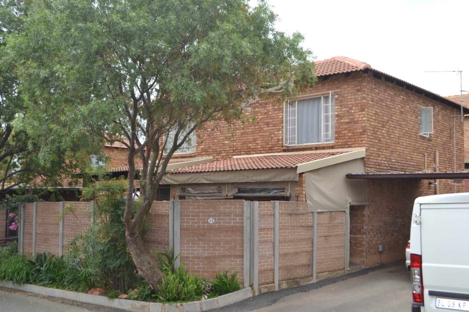 2 BedroomTownhouse For Sale In Allens Nek