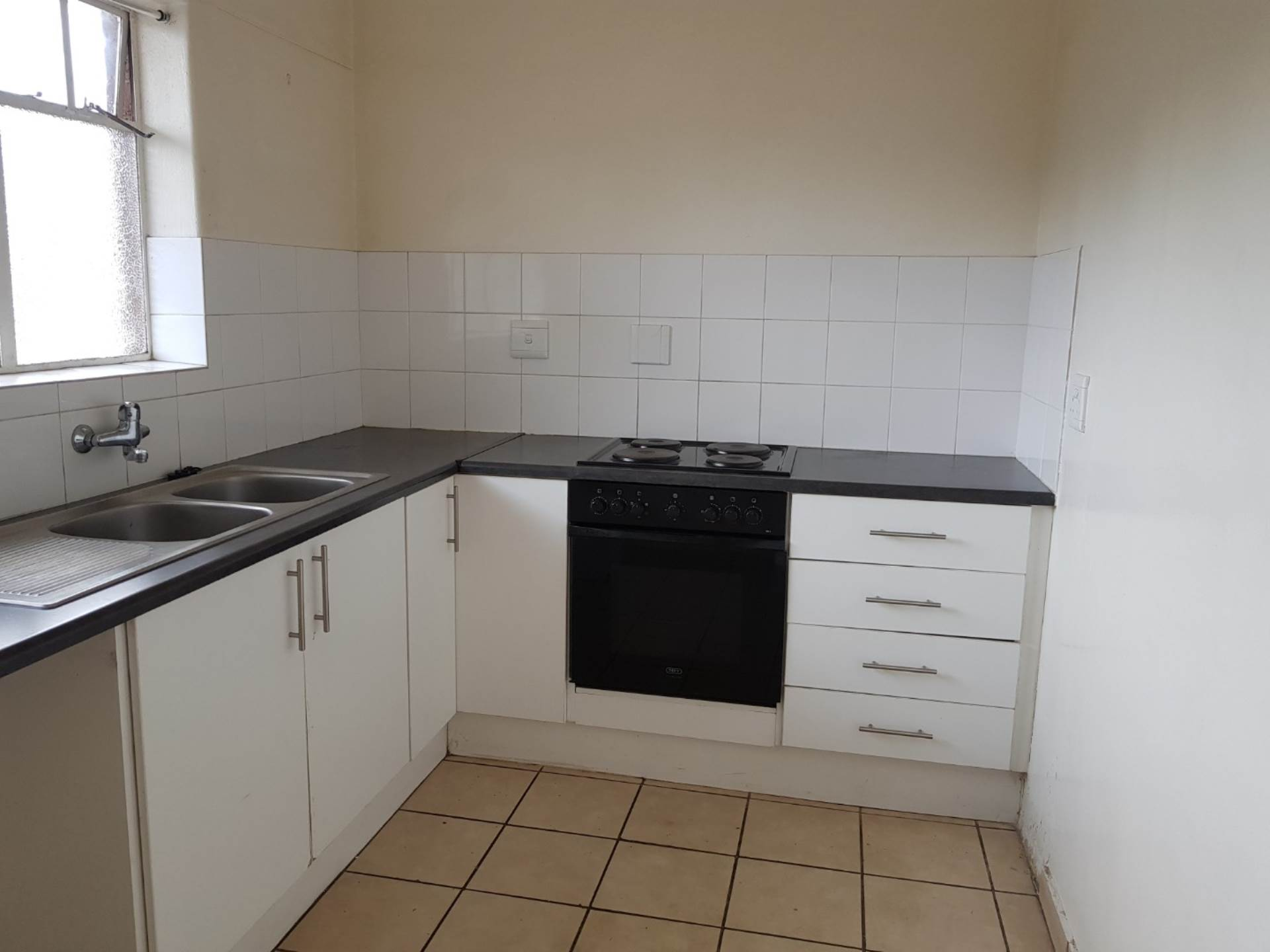 2 BedroomFlat To Rent In Hurlyvale
