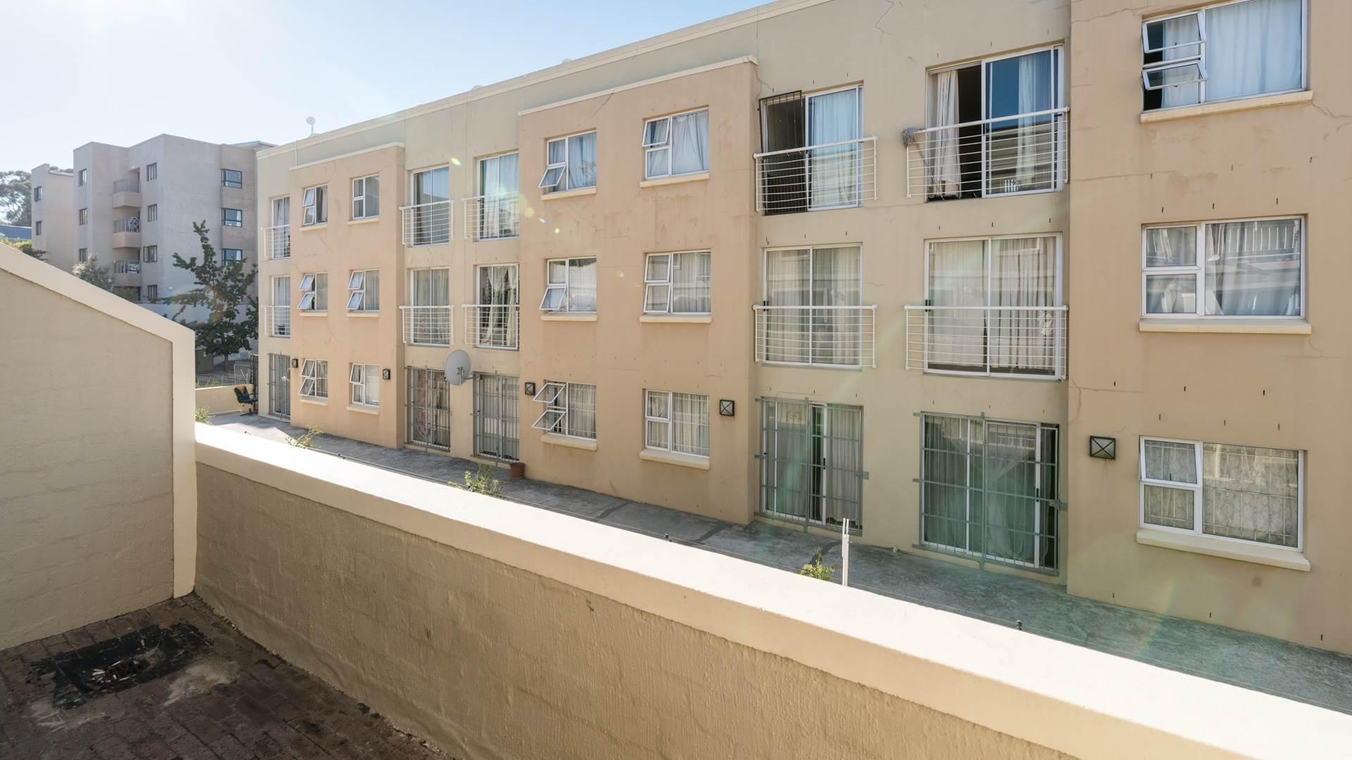 2 BedroomApartment For Sale In La Colline