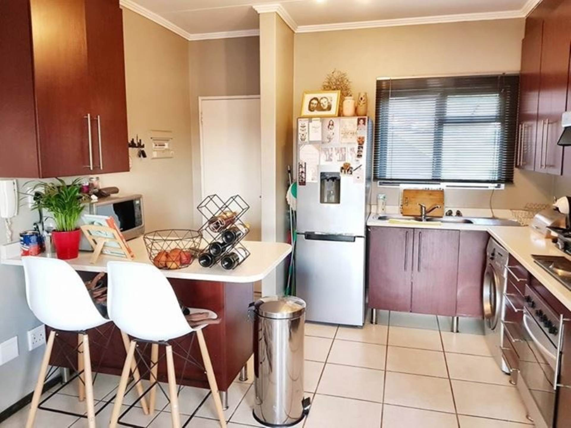 2 BedroomTownhouse To Rent In Bassonia