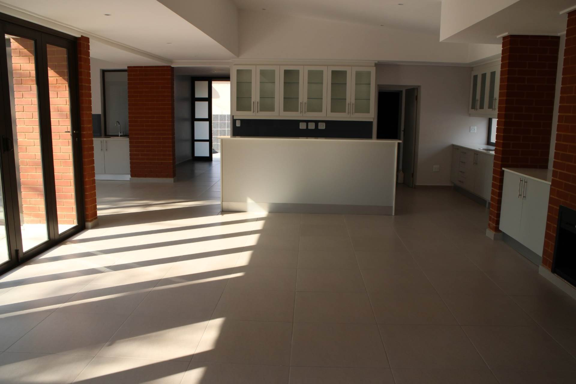 Property and Houses for sale in Willow Acres Estate, House, 4 Bedrooms - ZAR 3,650,000