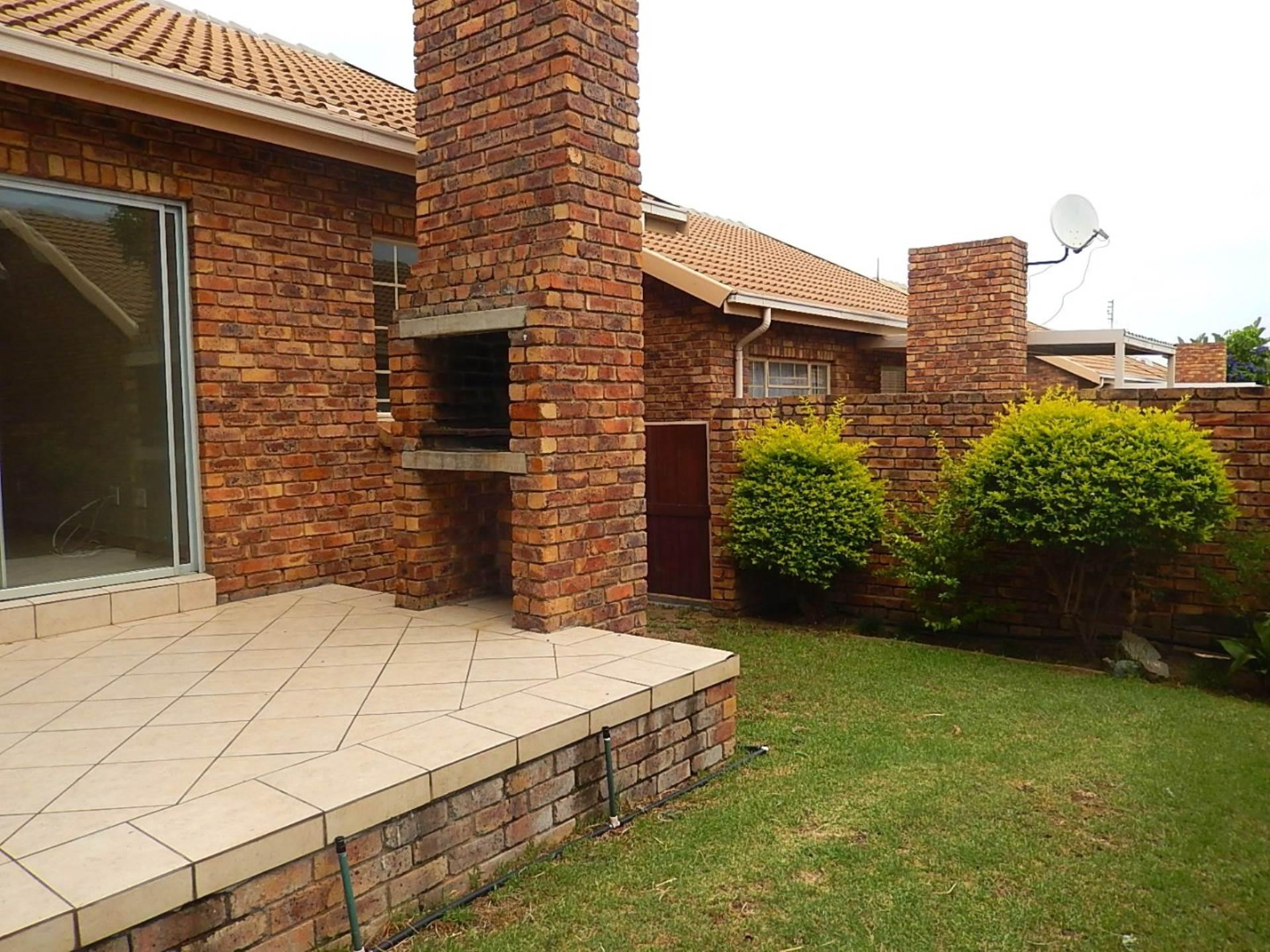2 BedroomTownhouse Pending Sale In Amberfield Ridge