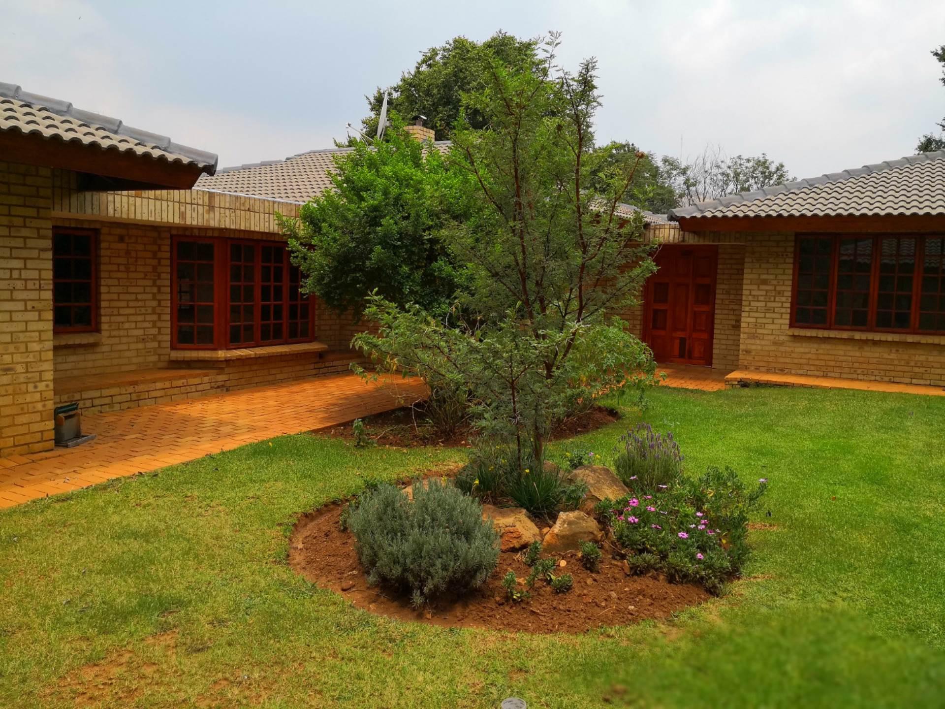 3 BedroomHouse To Rent In Poortview
