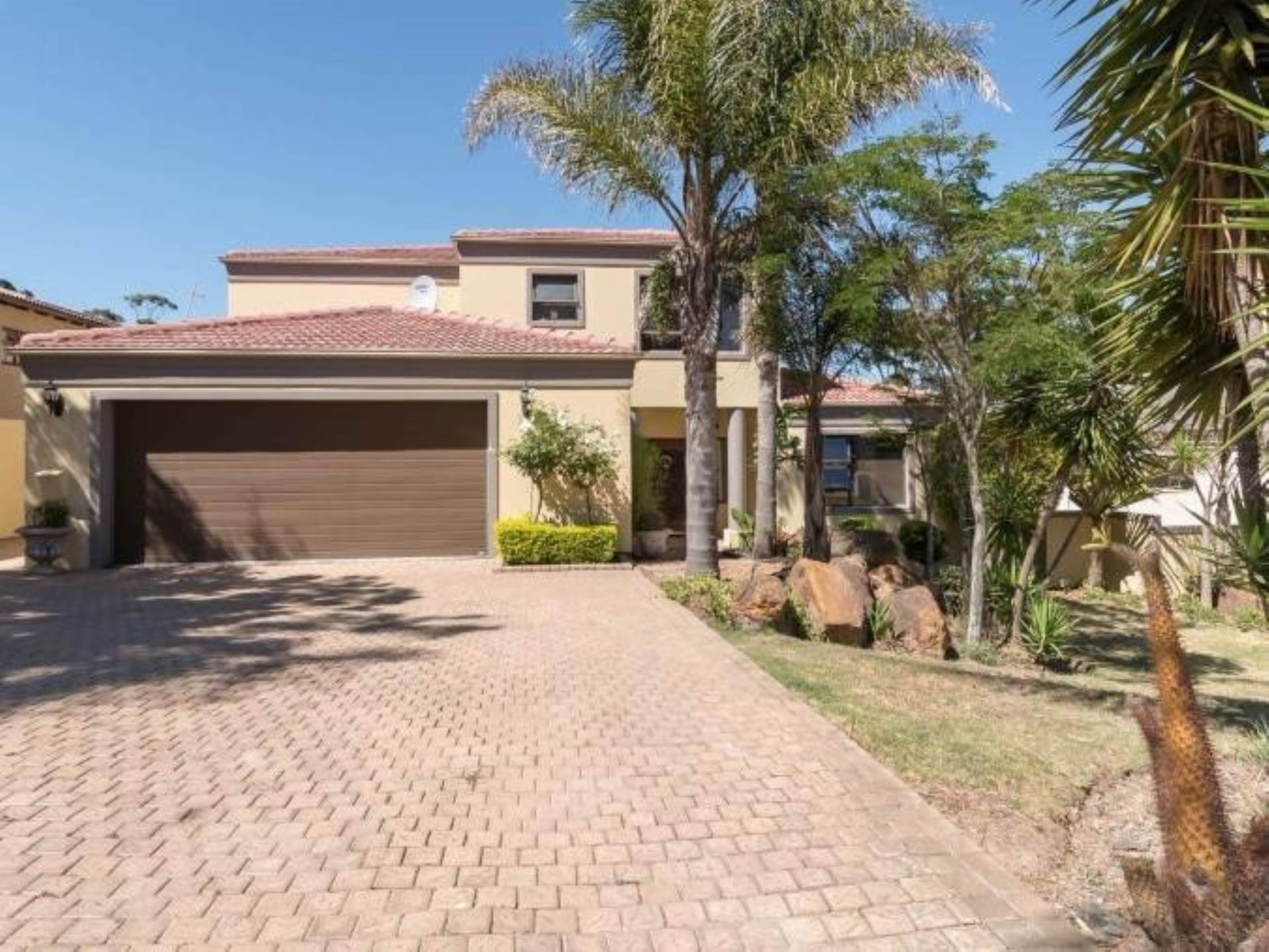 5 BedroomHouse For Sale In Sonstraal Heights