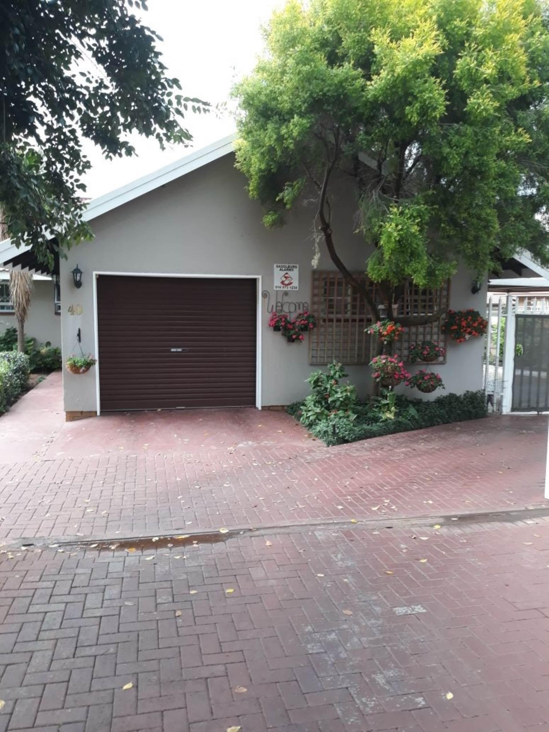 3 BedroomHouse For Sale In Vaalpark