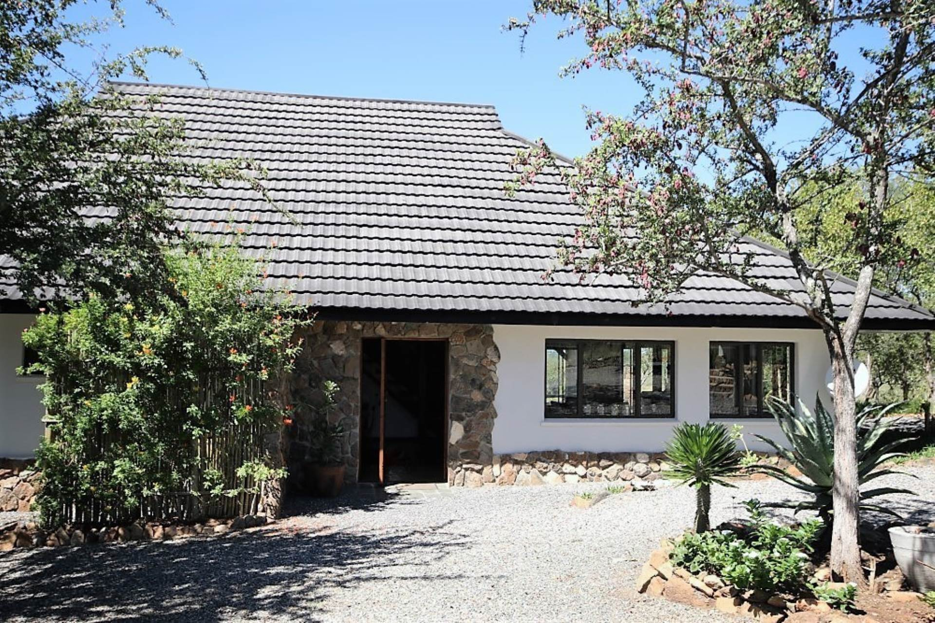 3 BedroomHouse For Sale In Grietjie Game Reserve