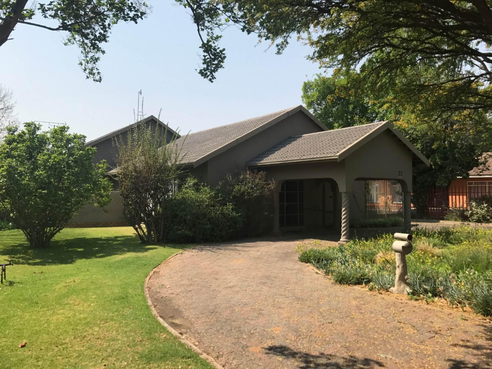 4 BedroomHouse To Rent In Vaalpark