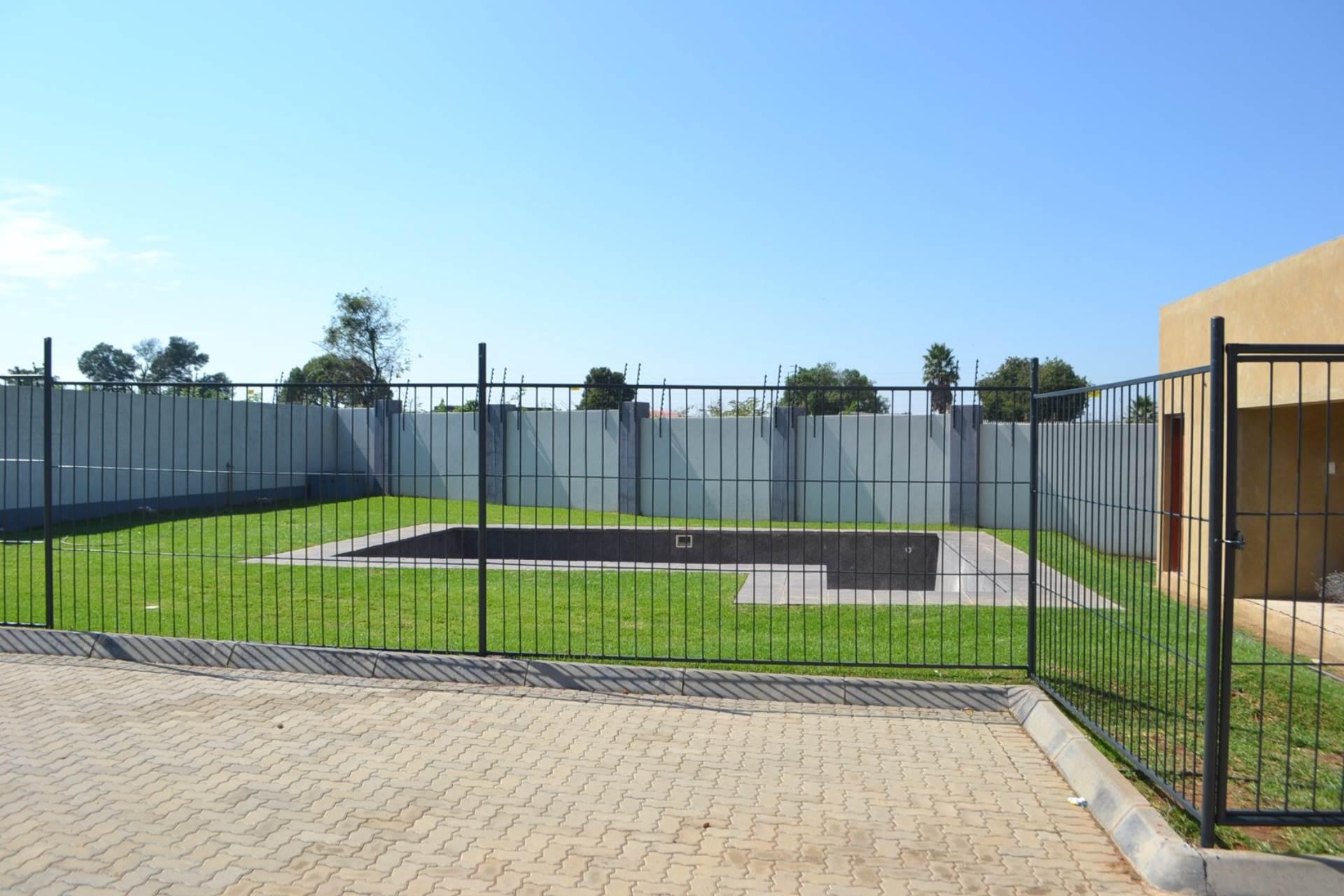 2 BedroomApartment For Sale In Witpoortjie