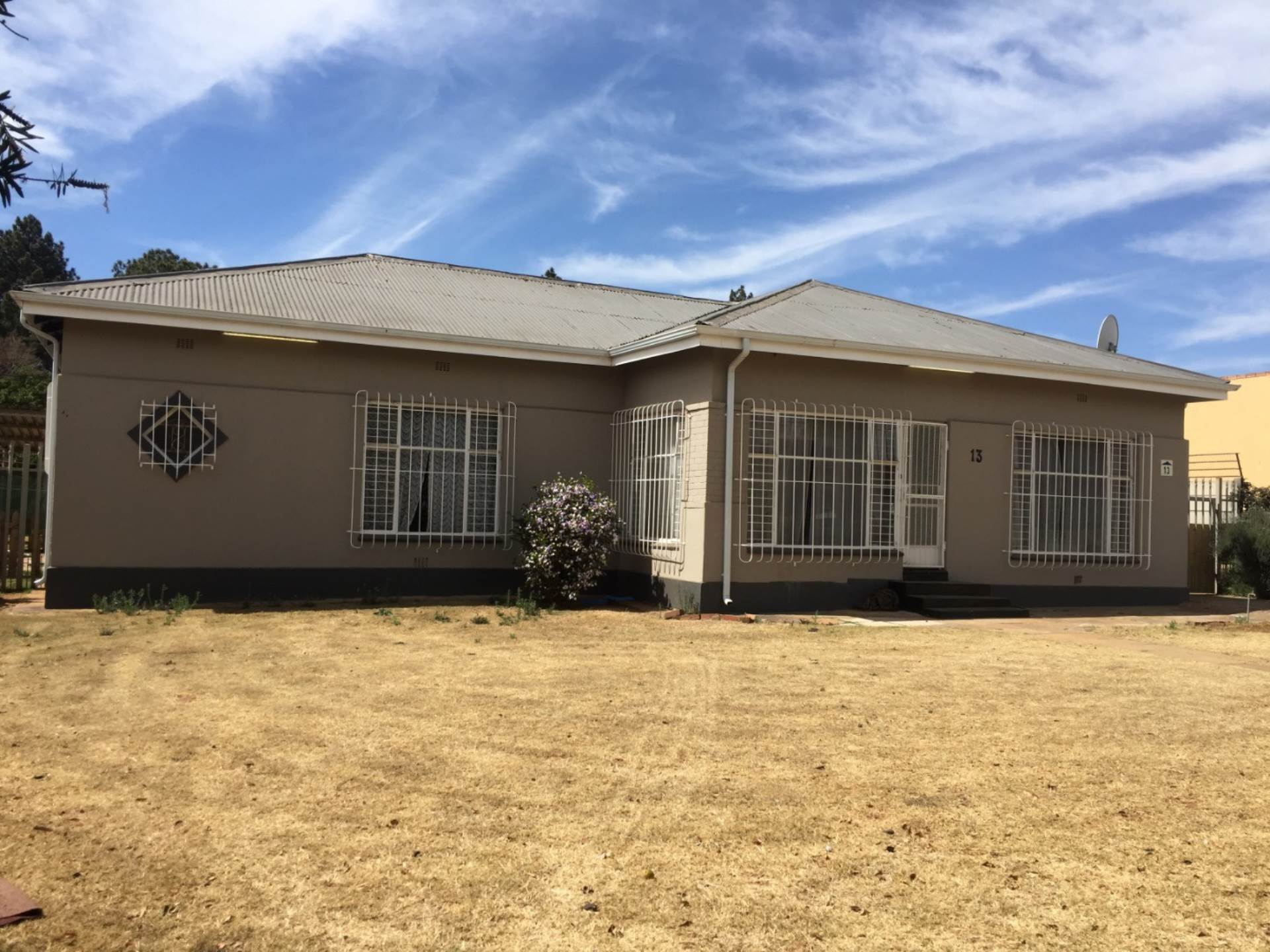 3 BedroomHouse To Rent In Selection Park