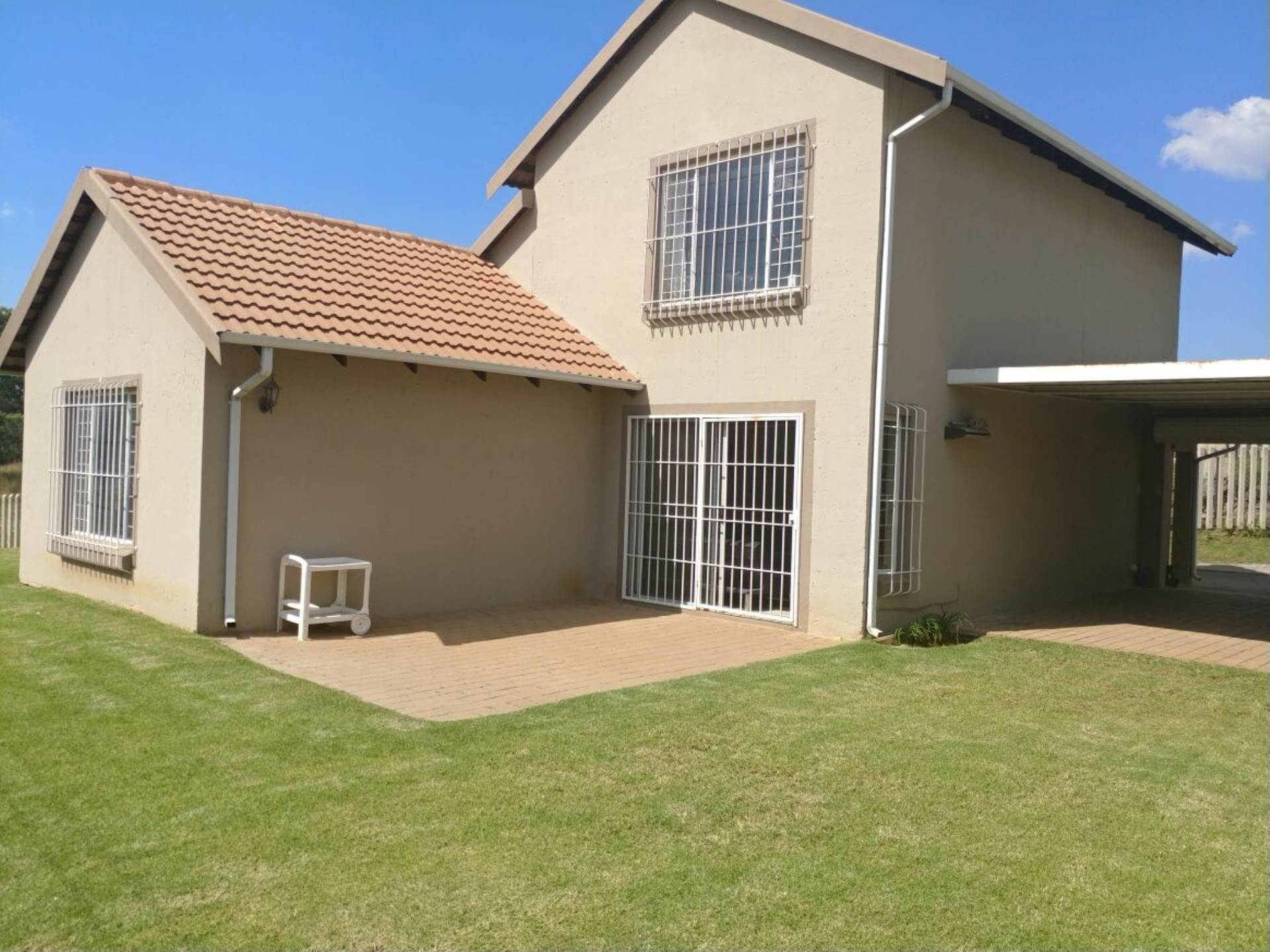 5 BedroomTownhouse To Rent In Kleinfontein
