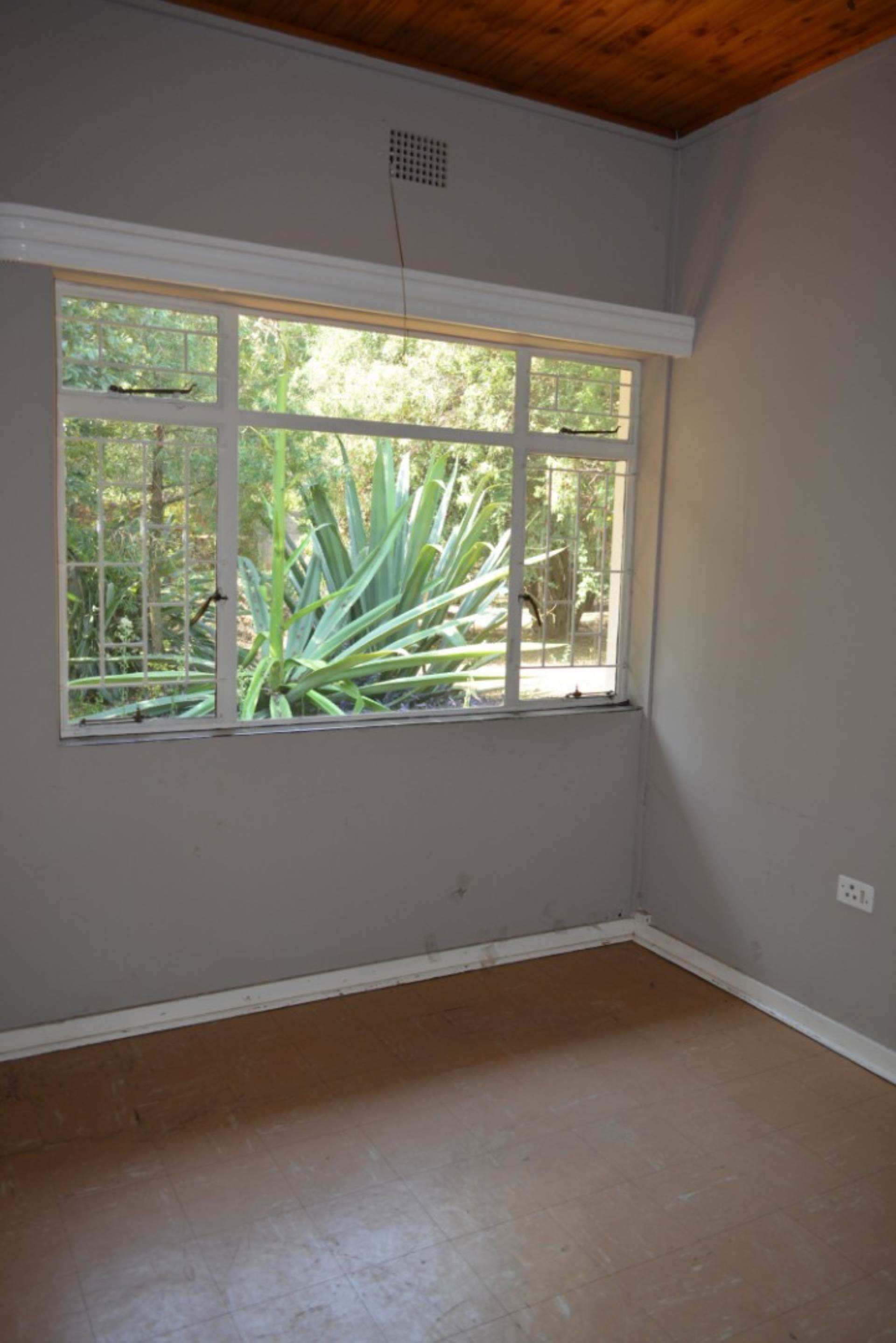 Menlo Park property to rent. Ref No: 13596842. Picture no 14