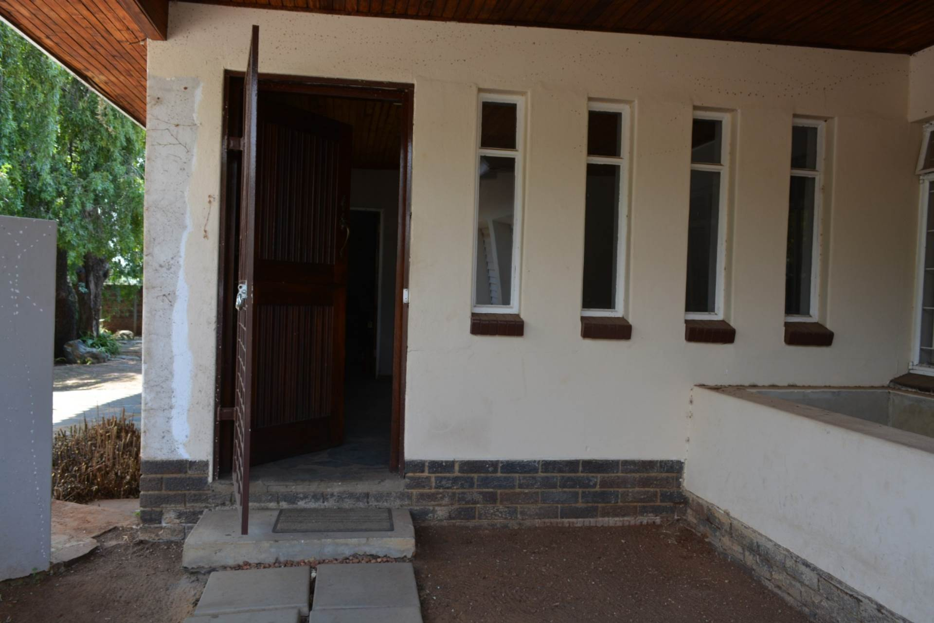Menlo Park property to rent. Ref No: 13596842. Picture no 3