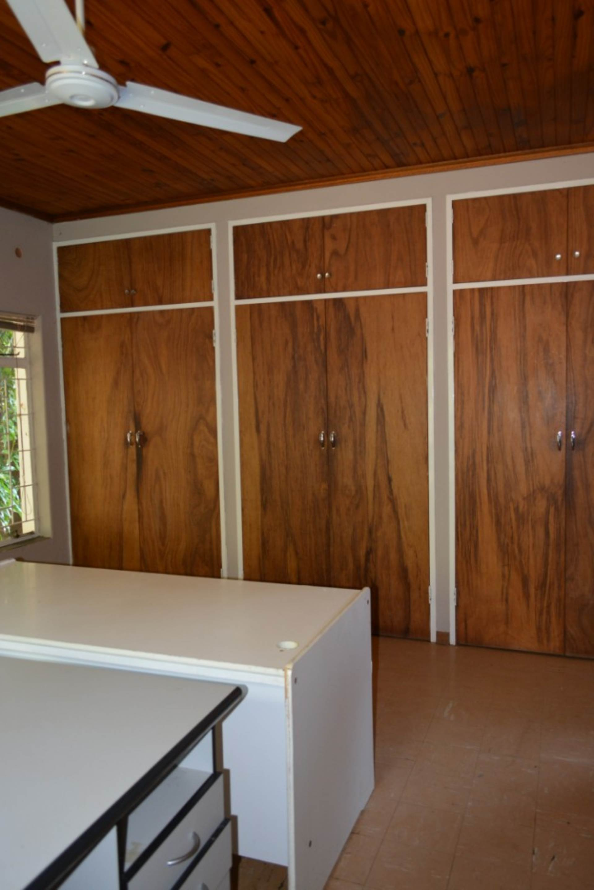 Menlo Park property to rent. Ref No: 13596842. Picture no 16