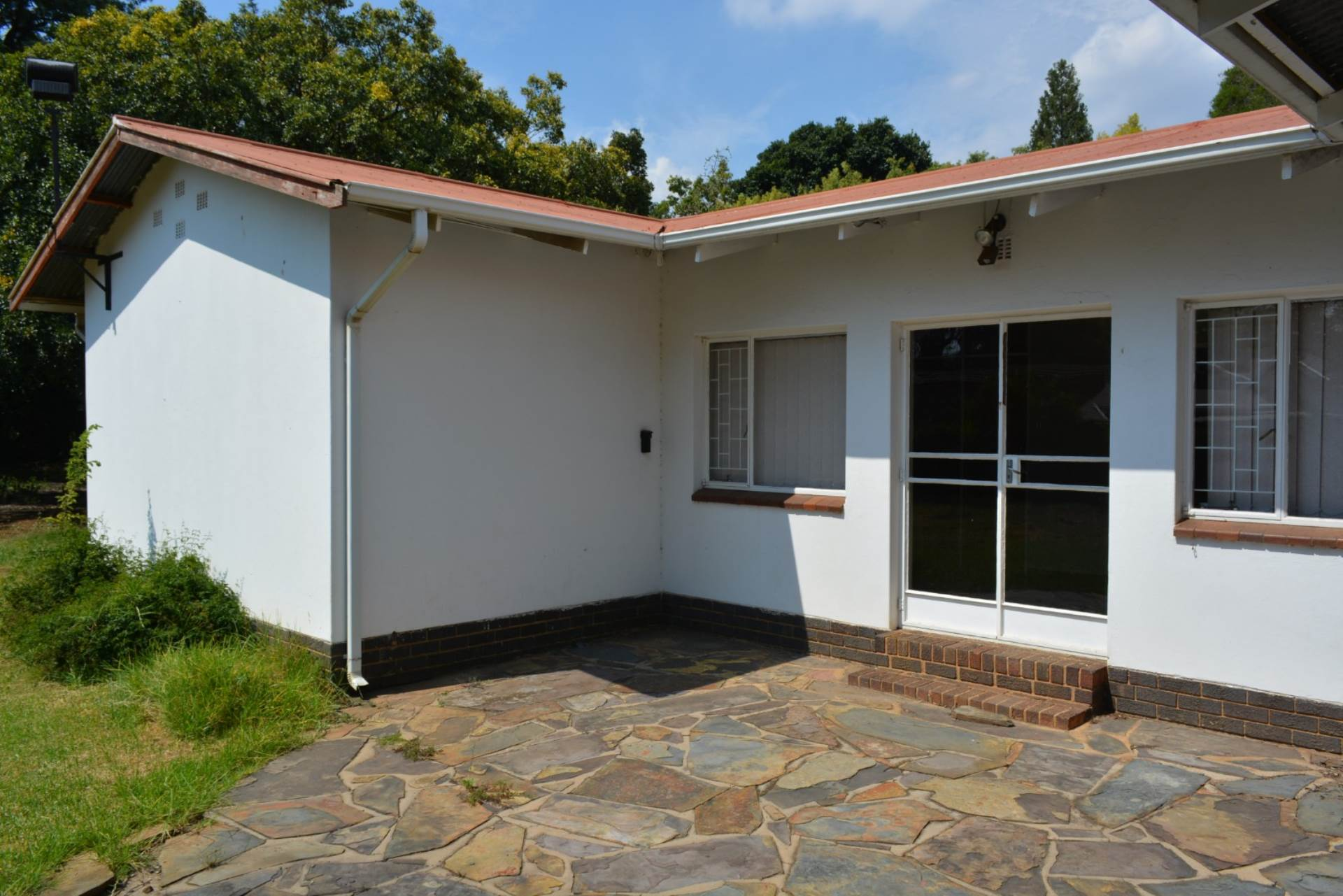 Menlo Park property to rent. Ref No: 13596842. Picture no 1