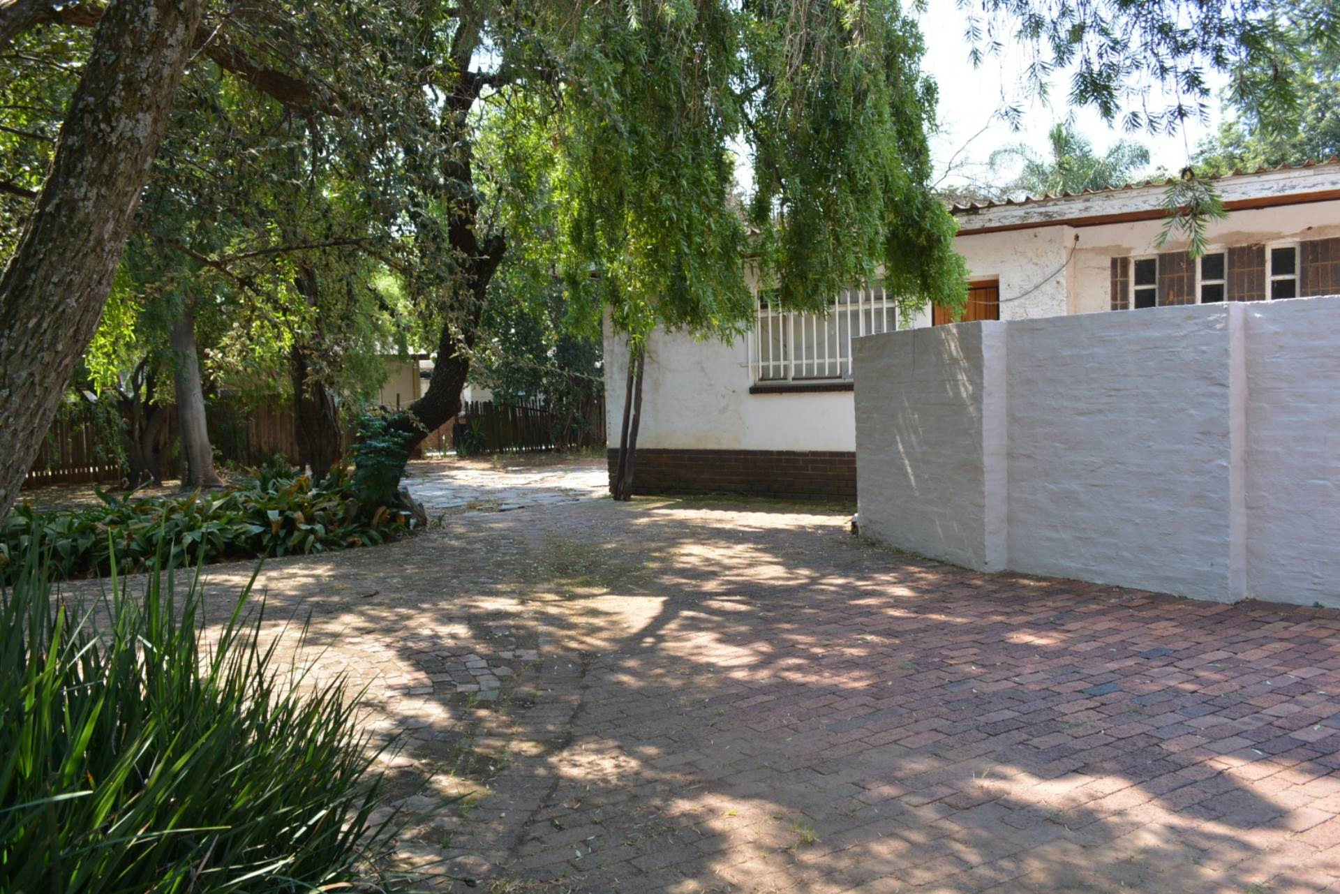 Menlo Park property to rent. Ref No: 13596842. Picture no 17