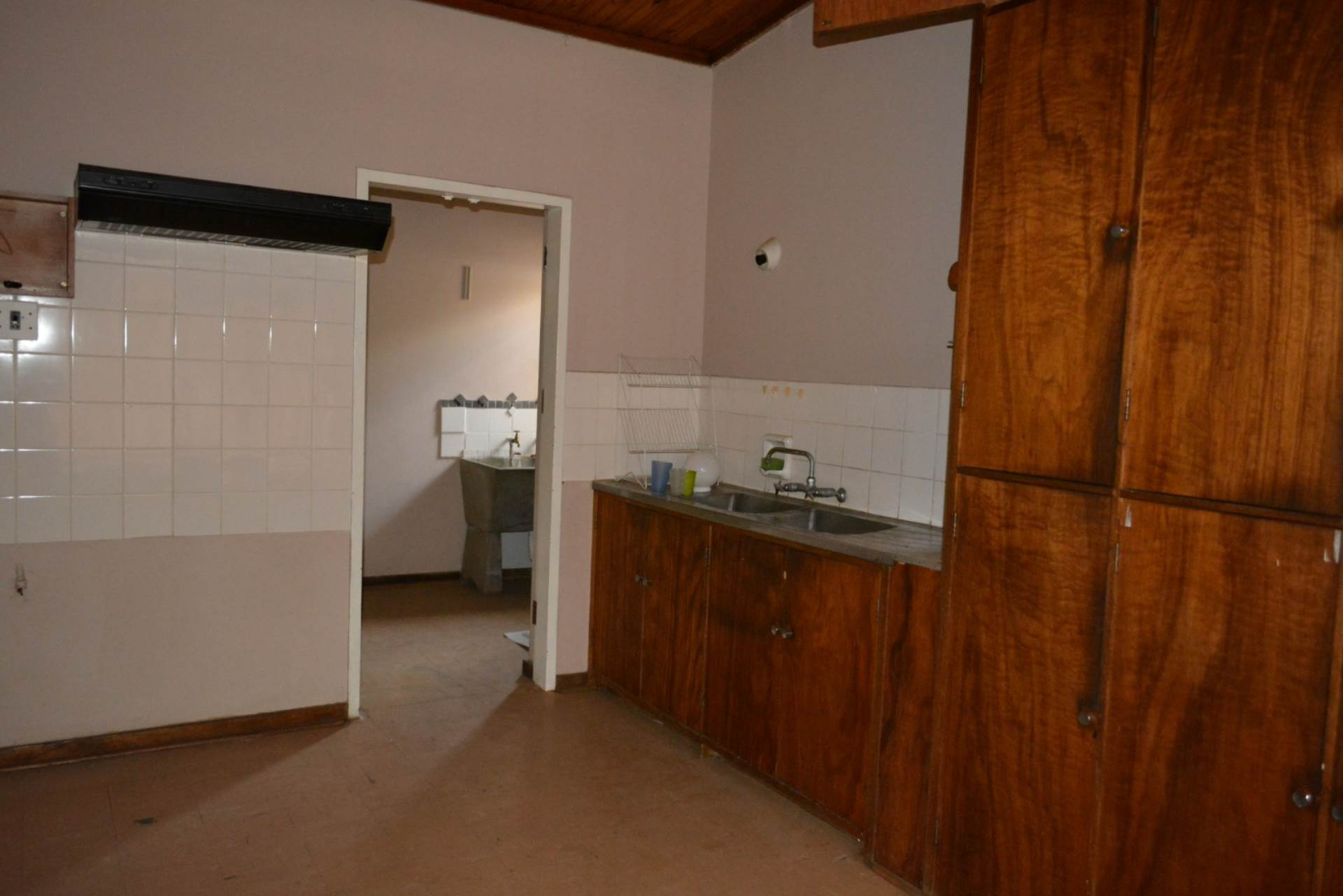 Menlo Park property to rent. Ref No: 13596842. Picture no 5