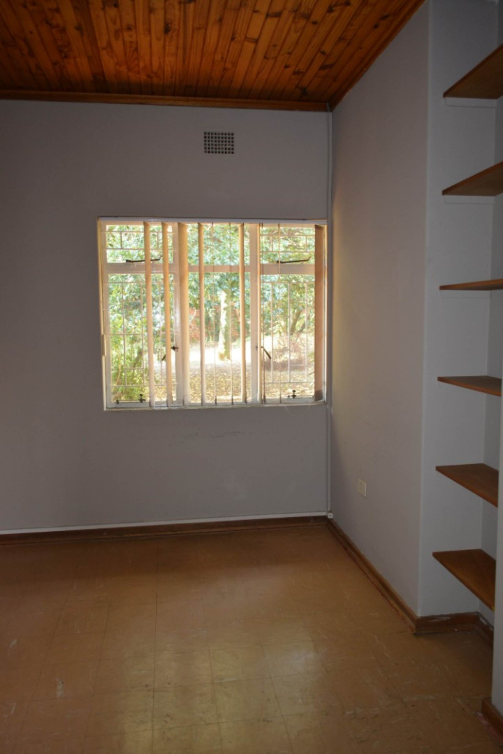 Menlo Park property to rent. Ref No: 13596842. Picture no 13
