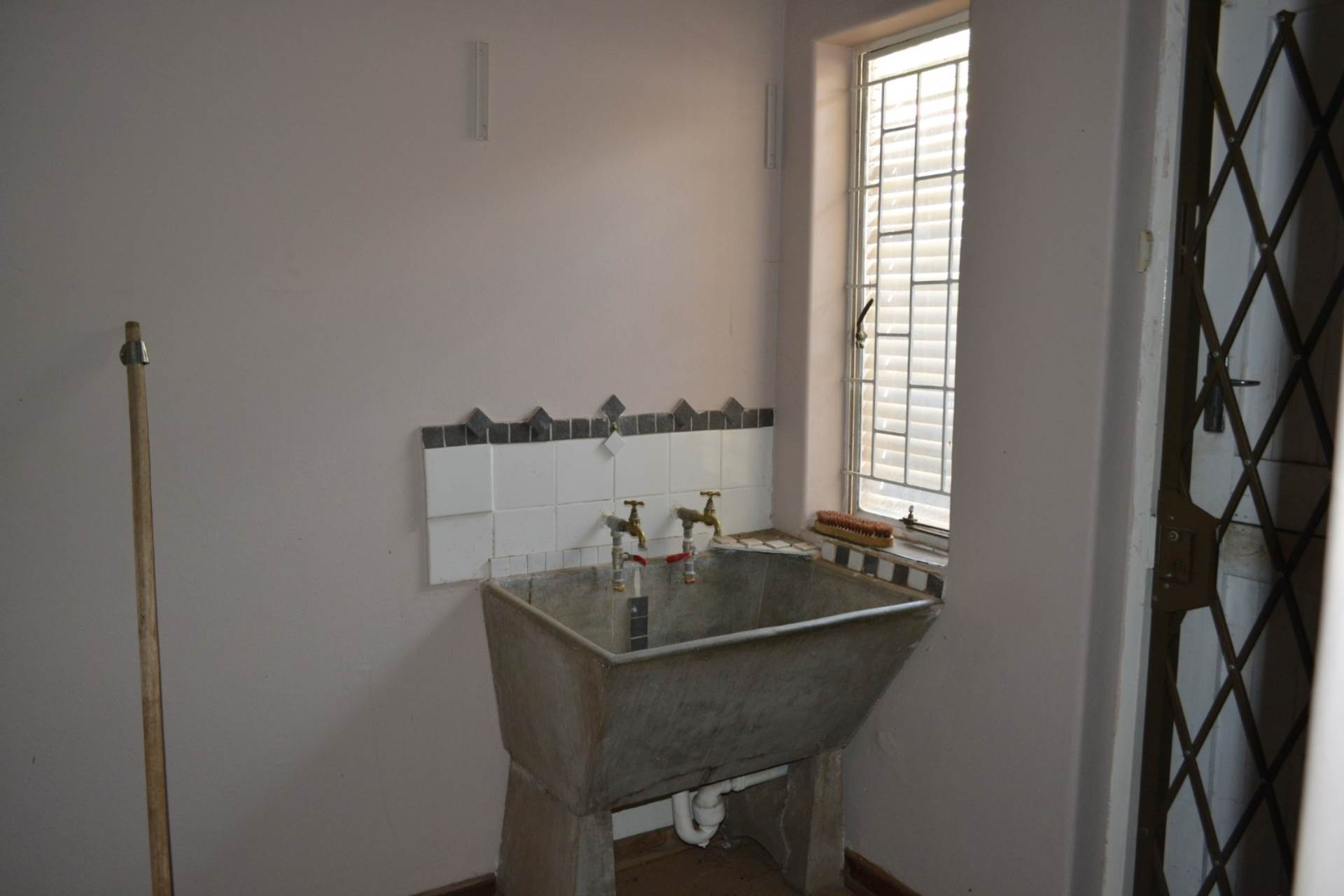 Menlo Park property to rent. Ref No: 13596842. Picture no 7