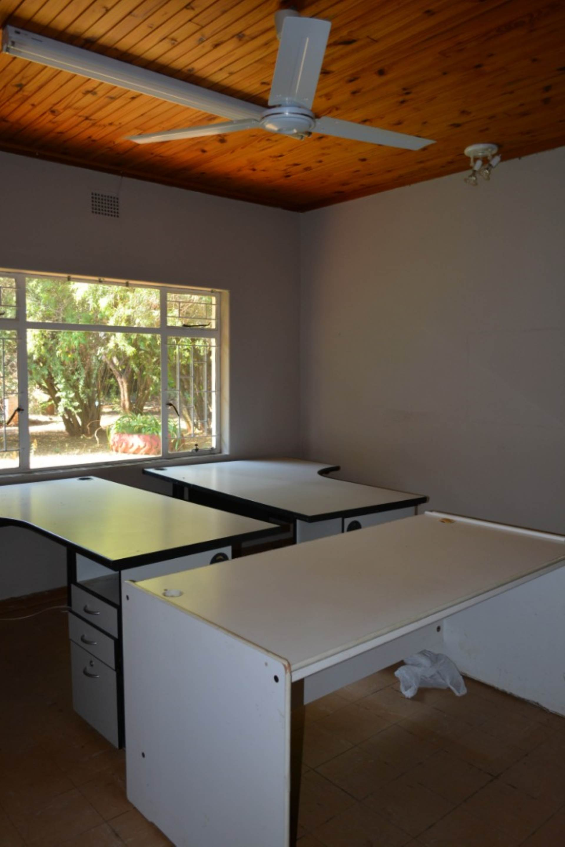 Menlo Park property to rent. Ref No: 13596842. Picture no 15