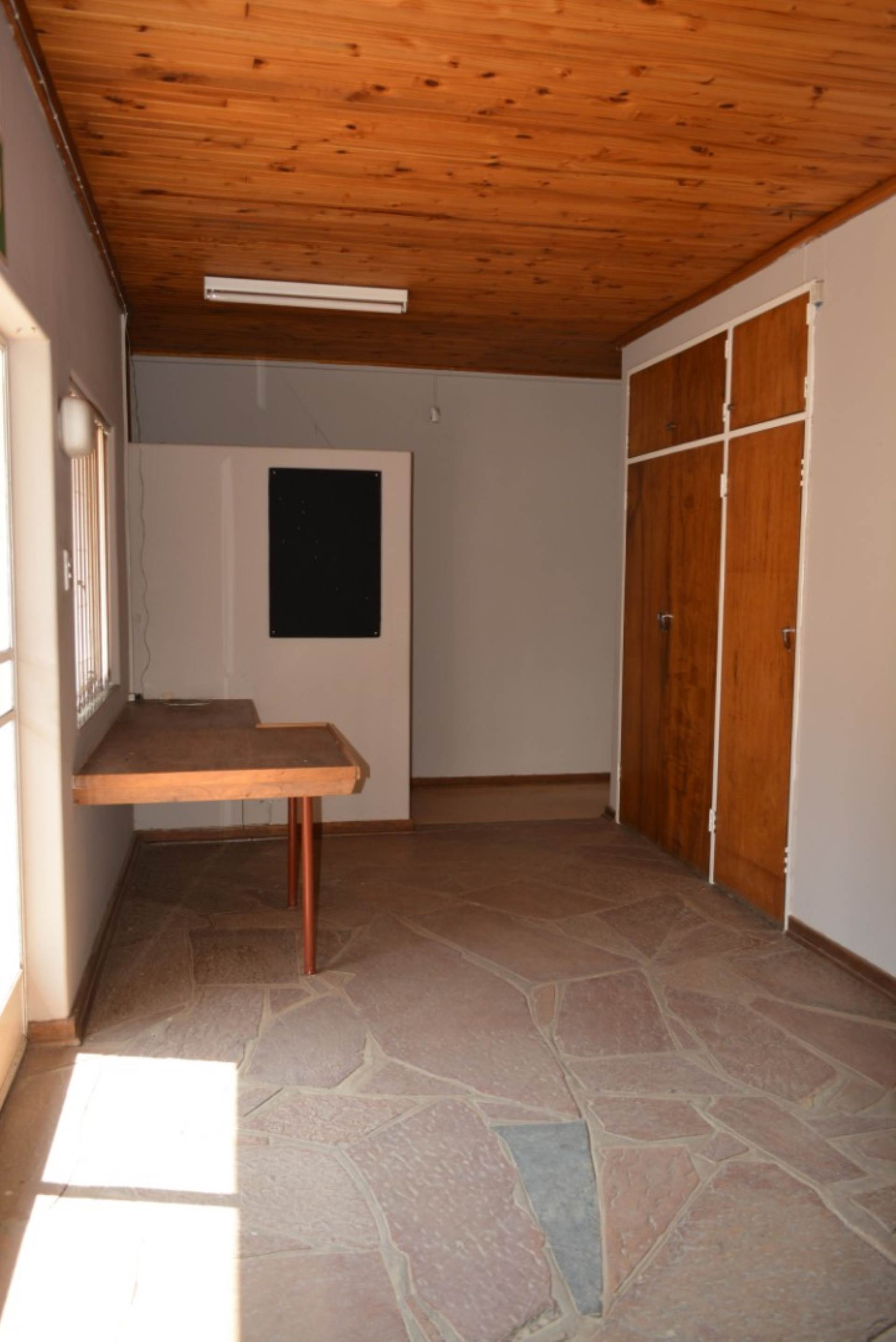 Menlo Park property to rent. Ref No: 13596842. Picture no 8