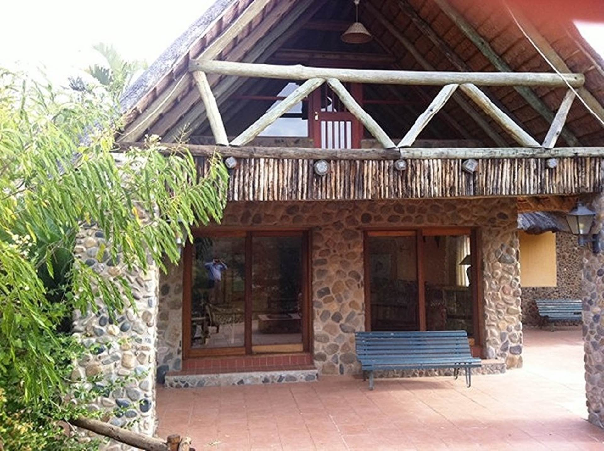 4 BedroomHouse For Sale In Hoedspruit