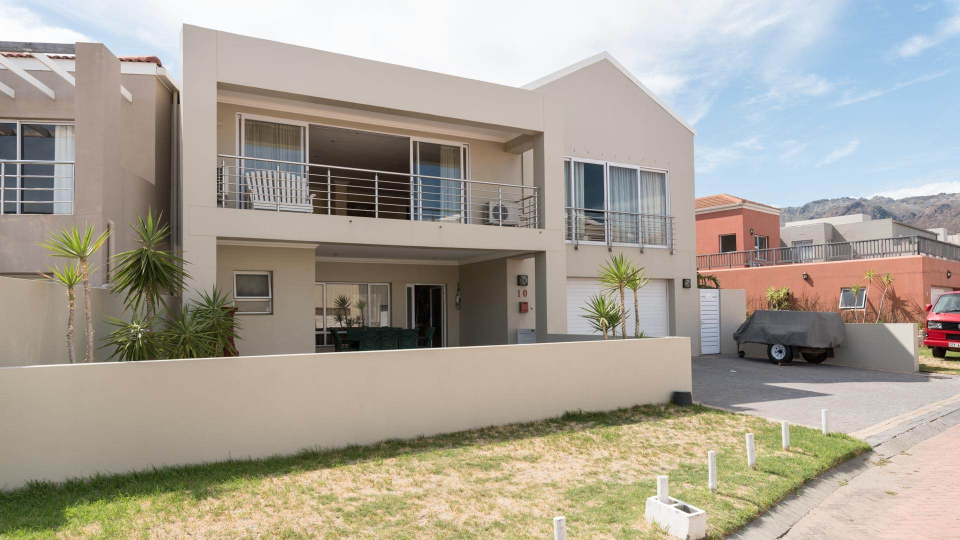 3 BedroomHouse For Sale In Harbour Island