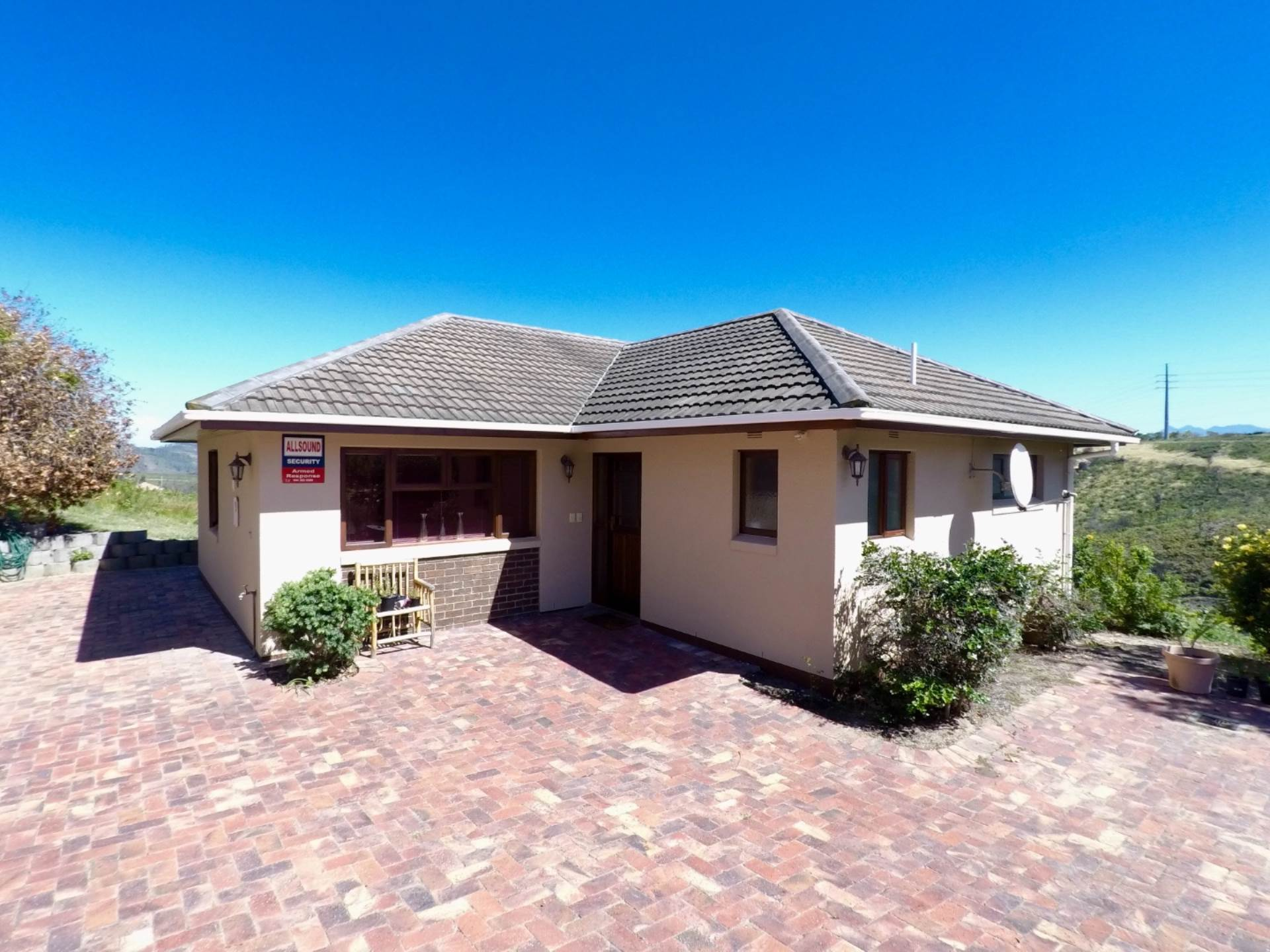 2 BedroomHouse For Sale In Eastford Ridge