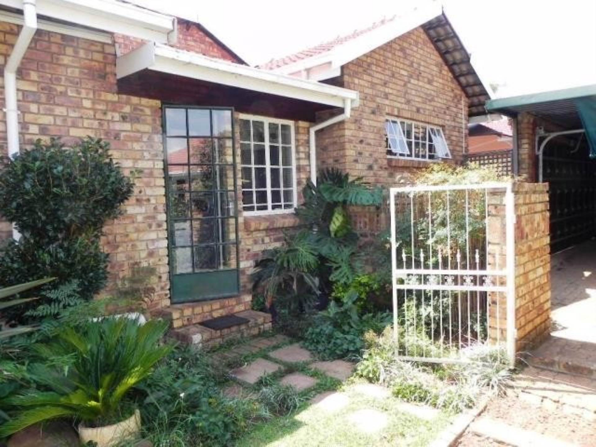 2 BedroomHouse To Rent In Clubview