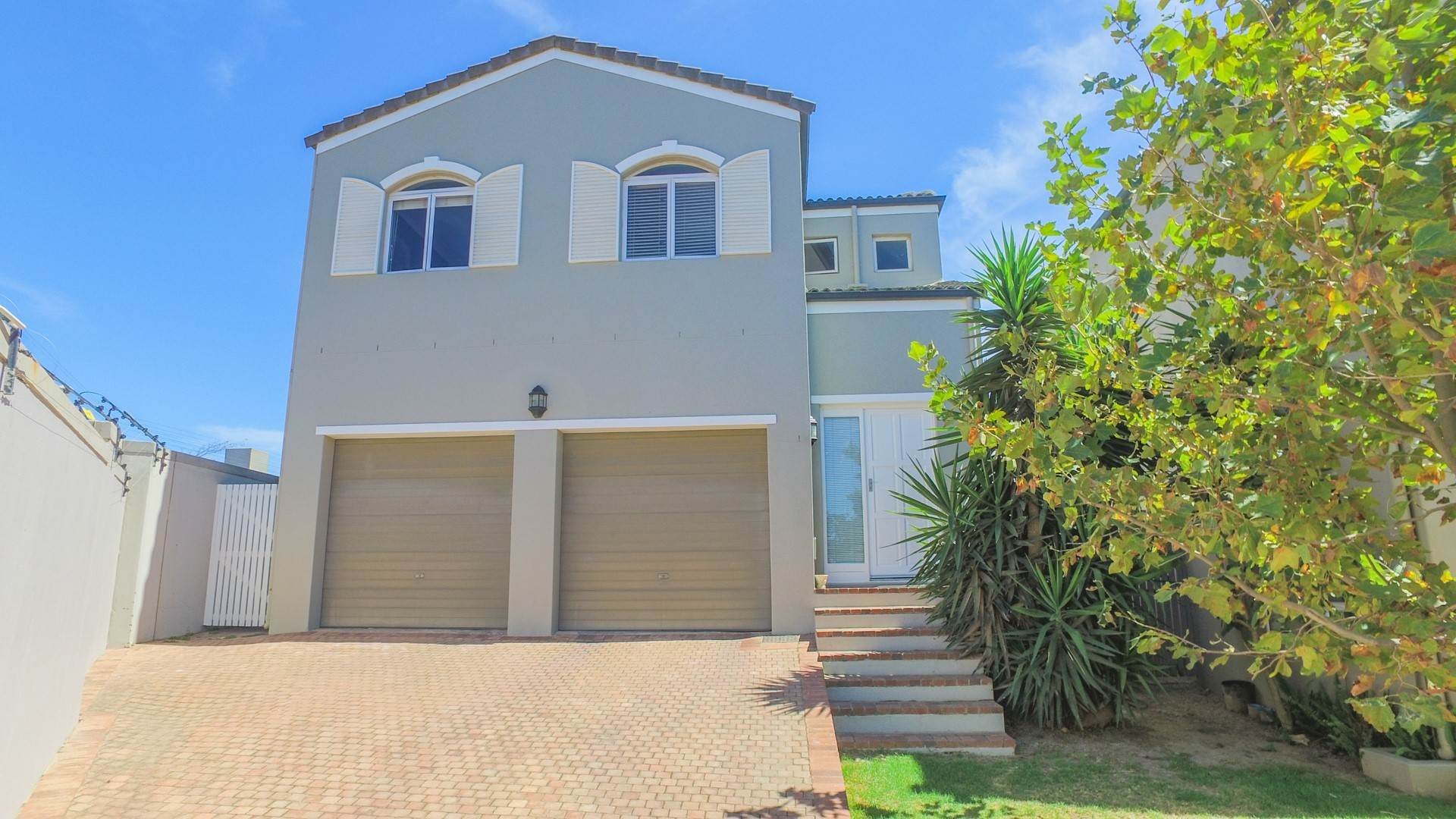 3 BedroomHouse Pending Sale In Avalon Estate