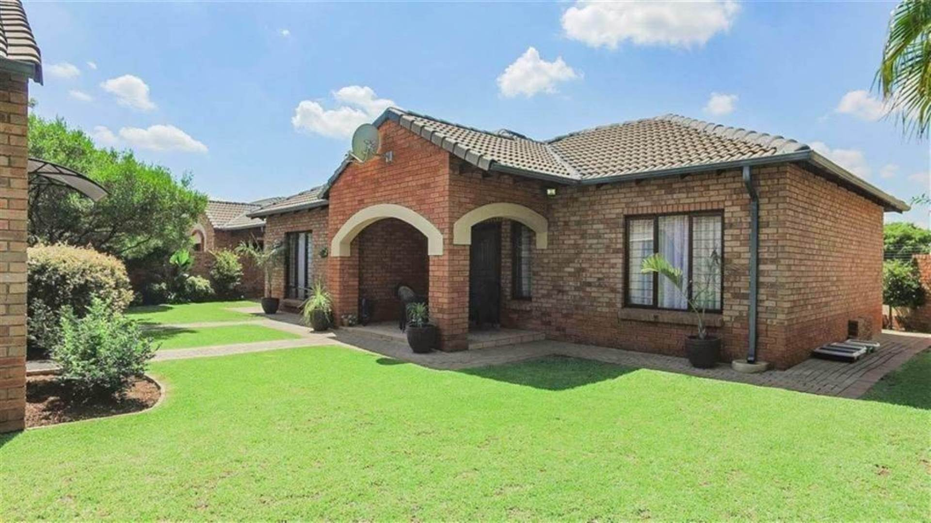 Centurion, Eco Park Property  | Houses For Sale Eco Park, ECO PARK, Townhouse 3 bedrooms property for sale Price:1,849,000
