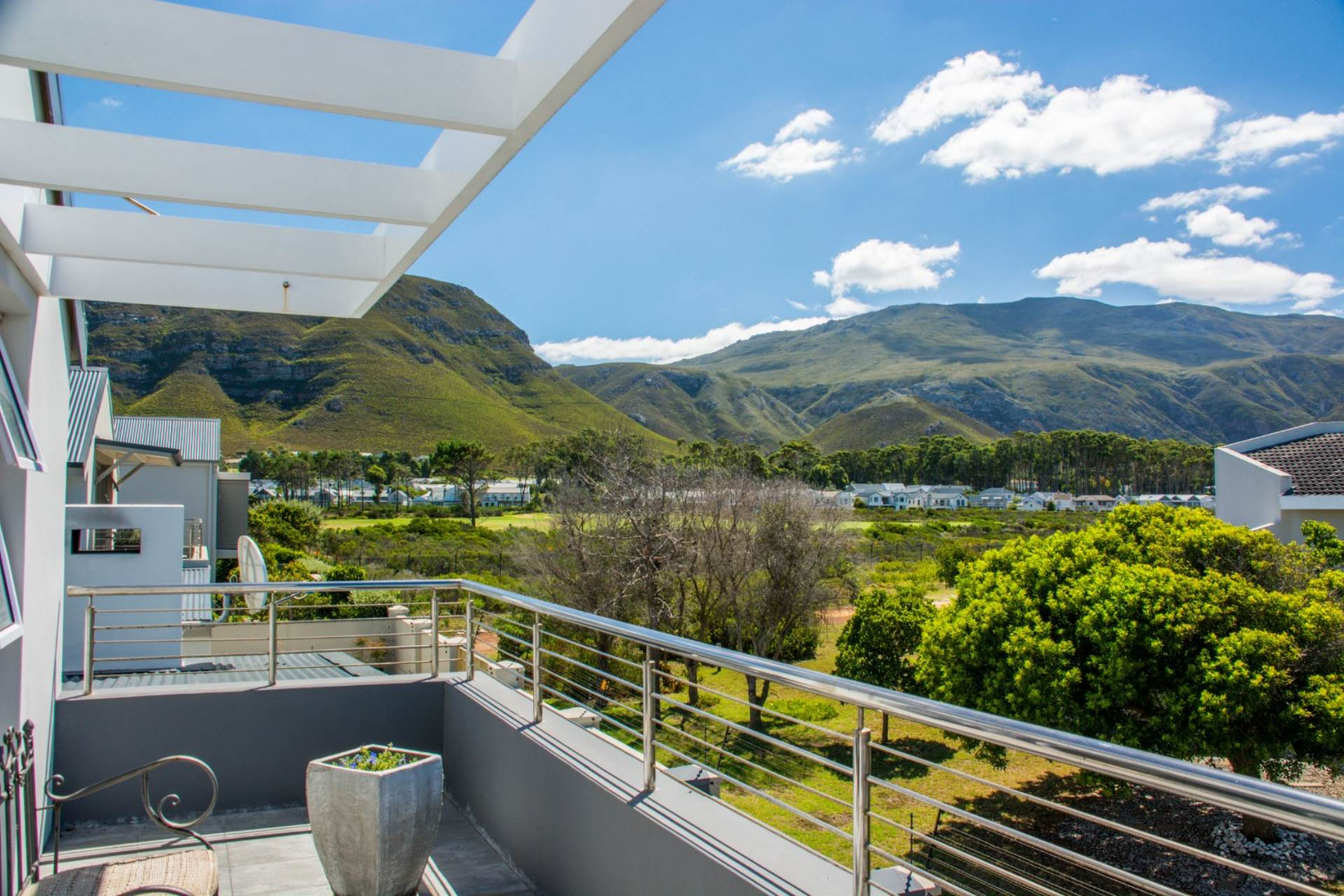 3 BedroomHouse For Sale In Fernkloof Estate