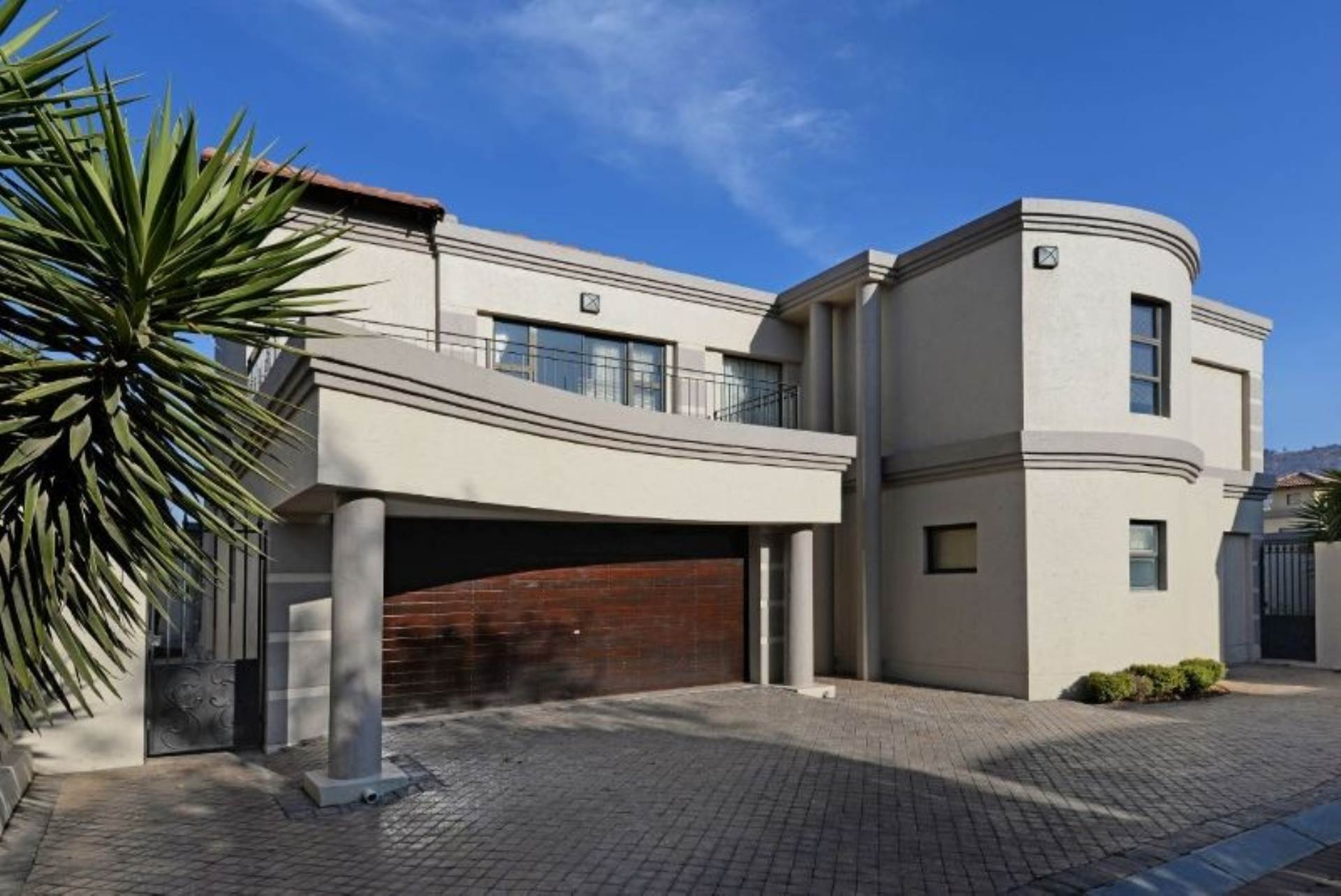 5 BedroomCluster To Rent In Morning Hill