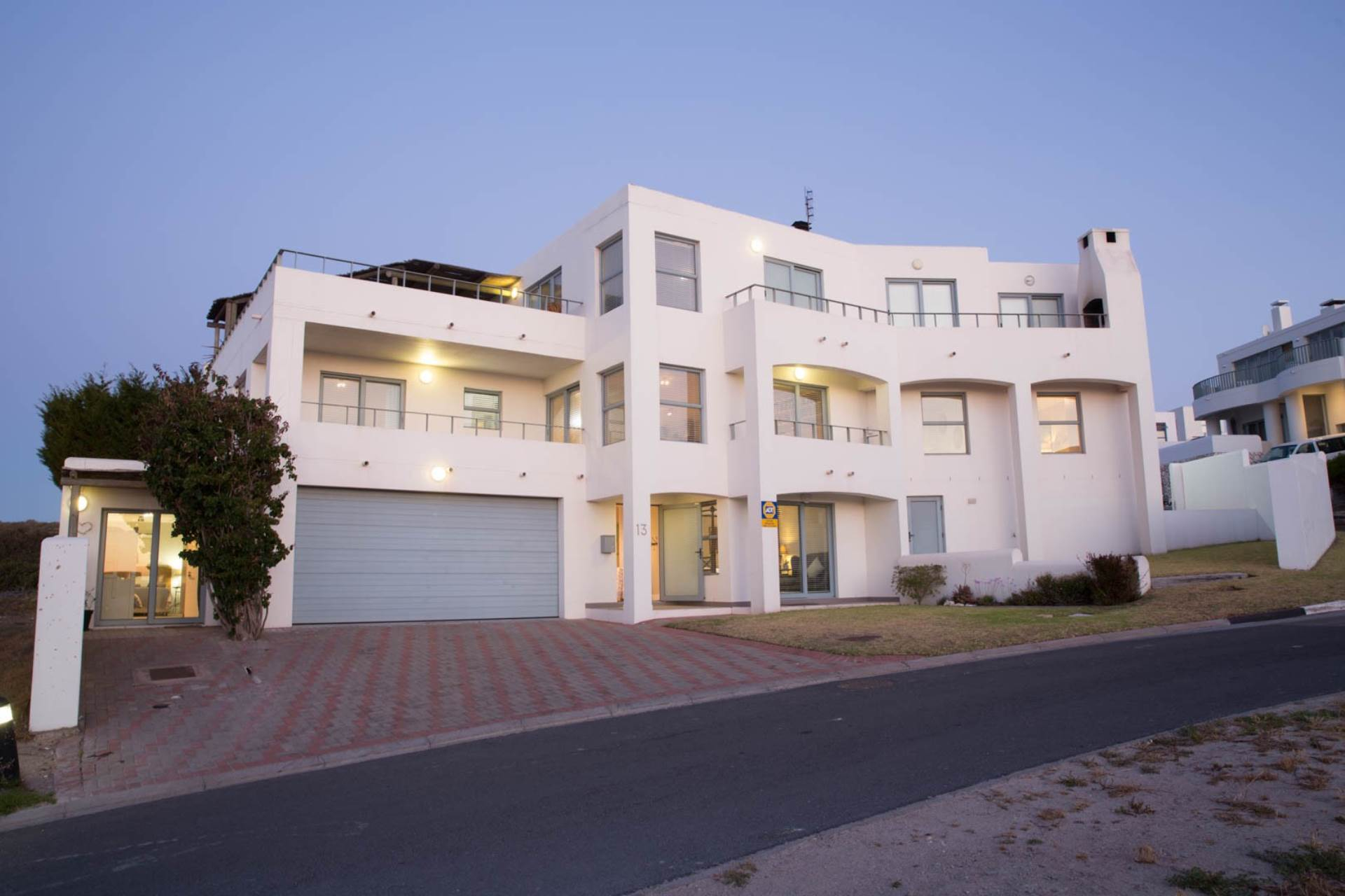 6 BedroomHouse For Sale In Paradise Beach