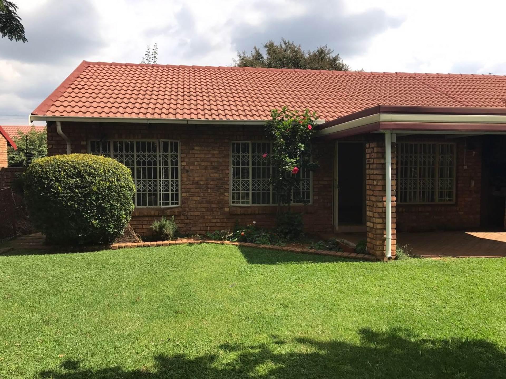 Pretoria, Erasmuskloof Property  | Houses To Rent Erasmuskloof, ERASMUSKLOOF, Townhouse 2 bedrooms property to rent Price:,  8,00*