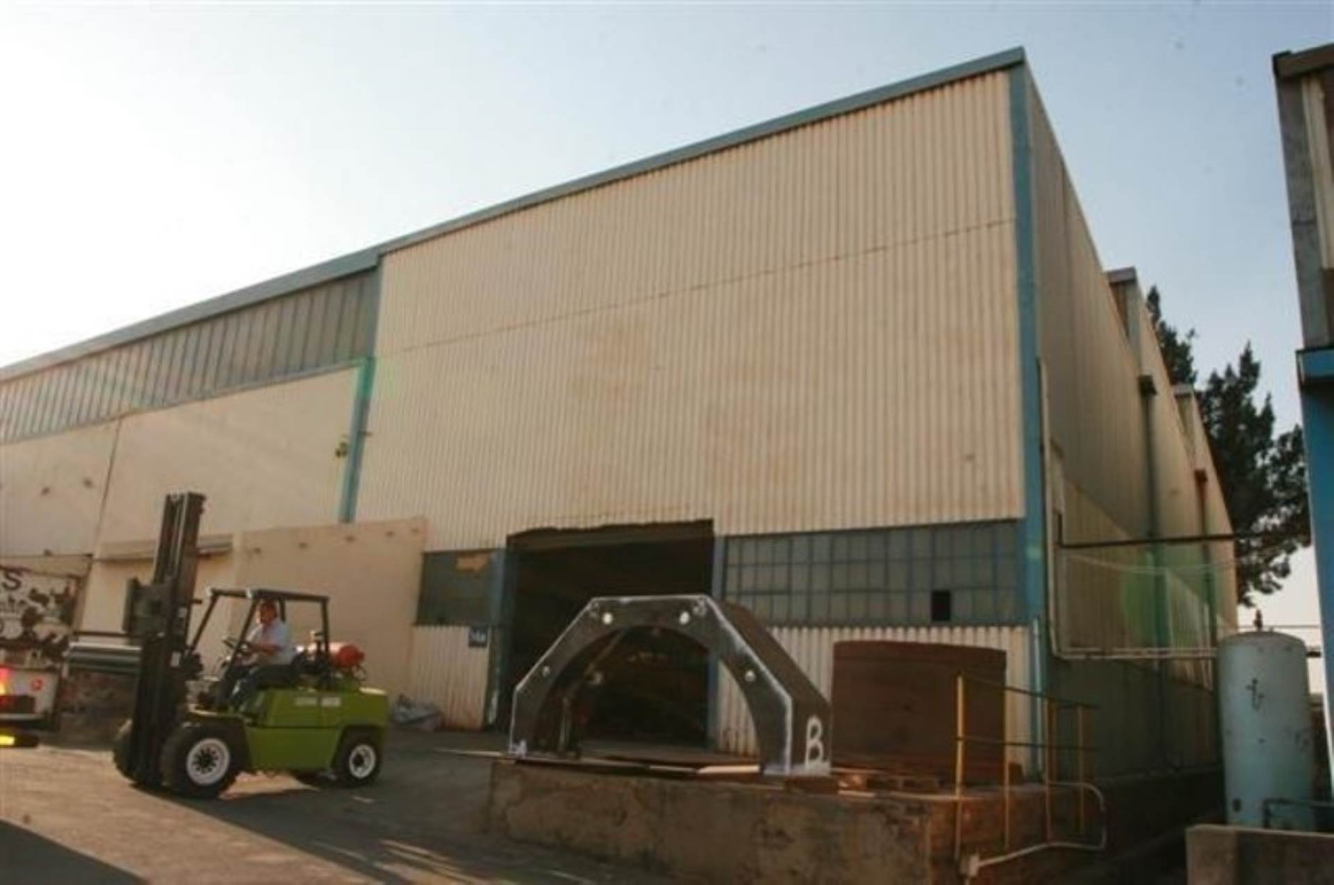 Industrial To Rent In Vulcania