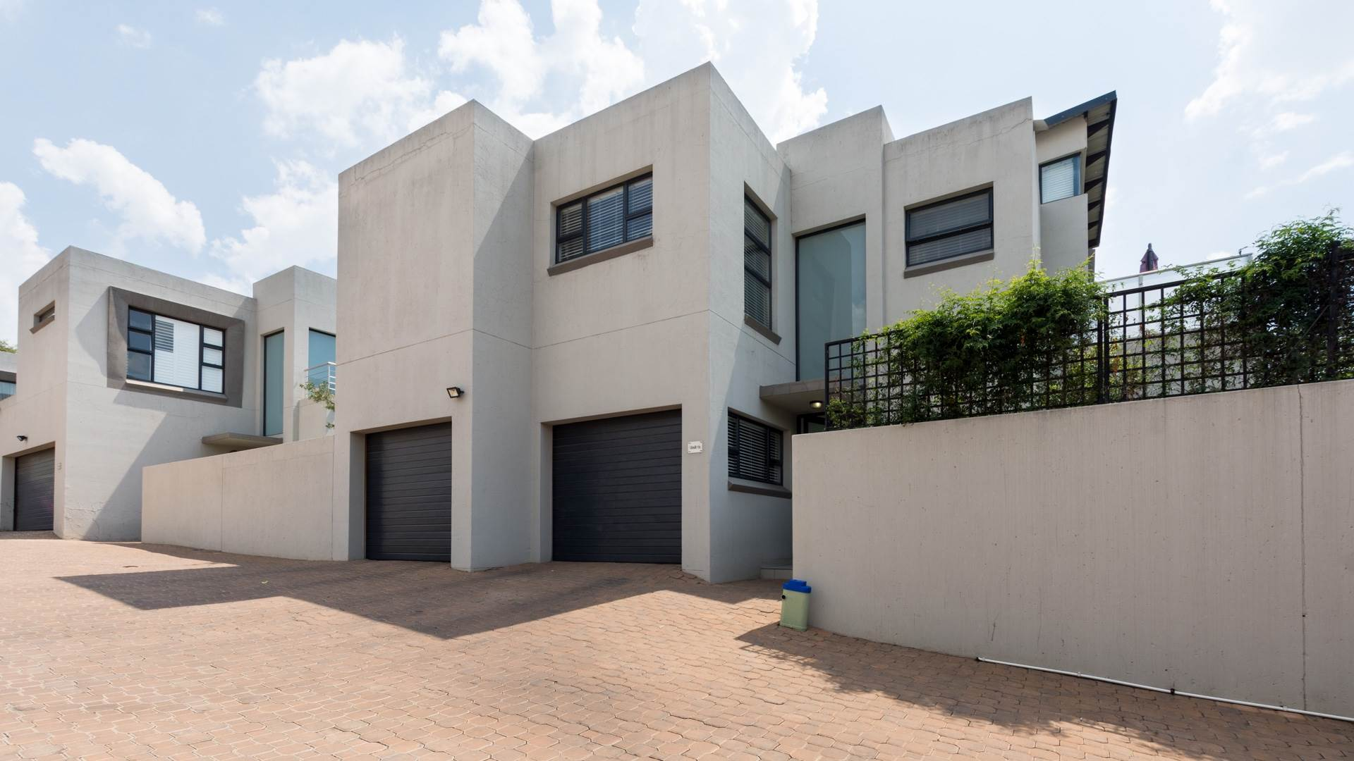 3 BedroomHouse For Sale In Craighall