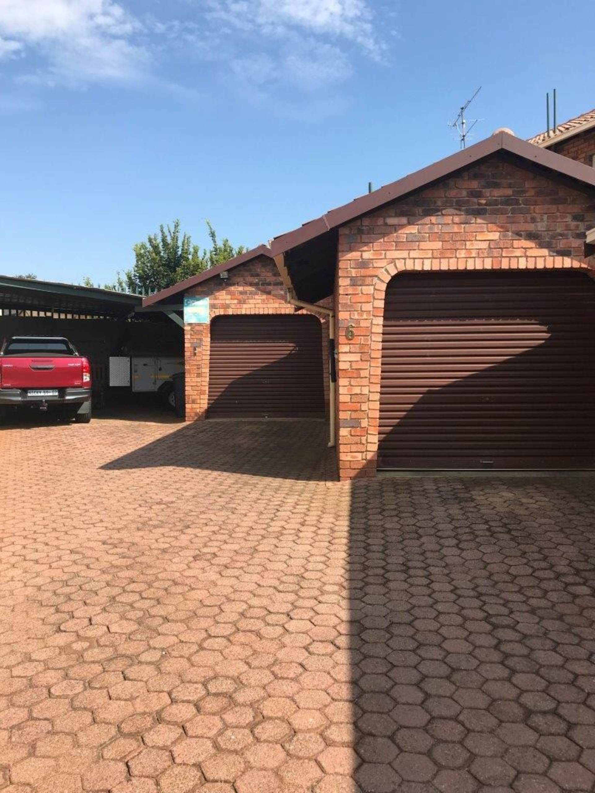 2 BedroomHouse For Sale In Lindhaven