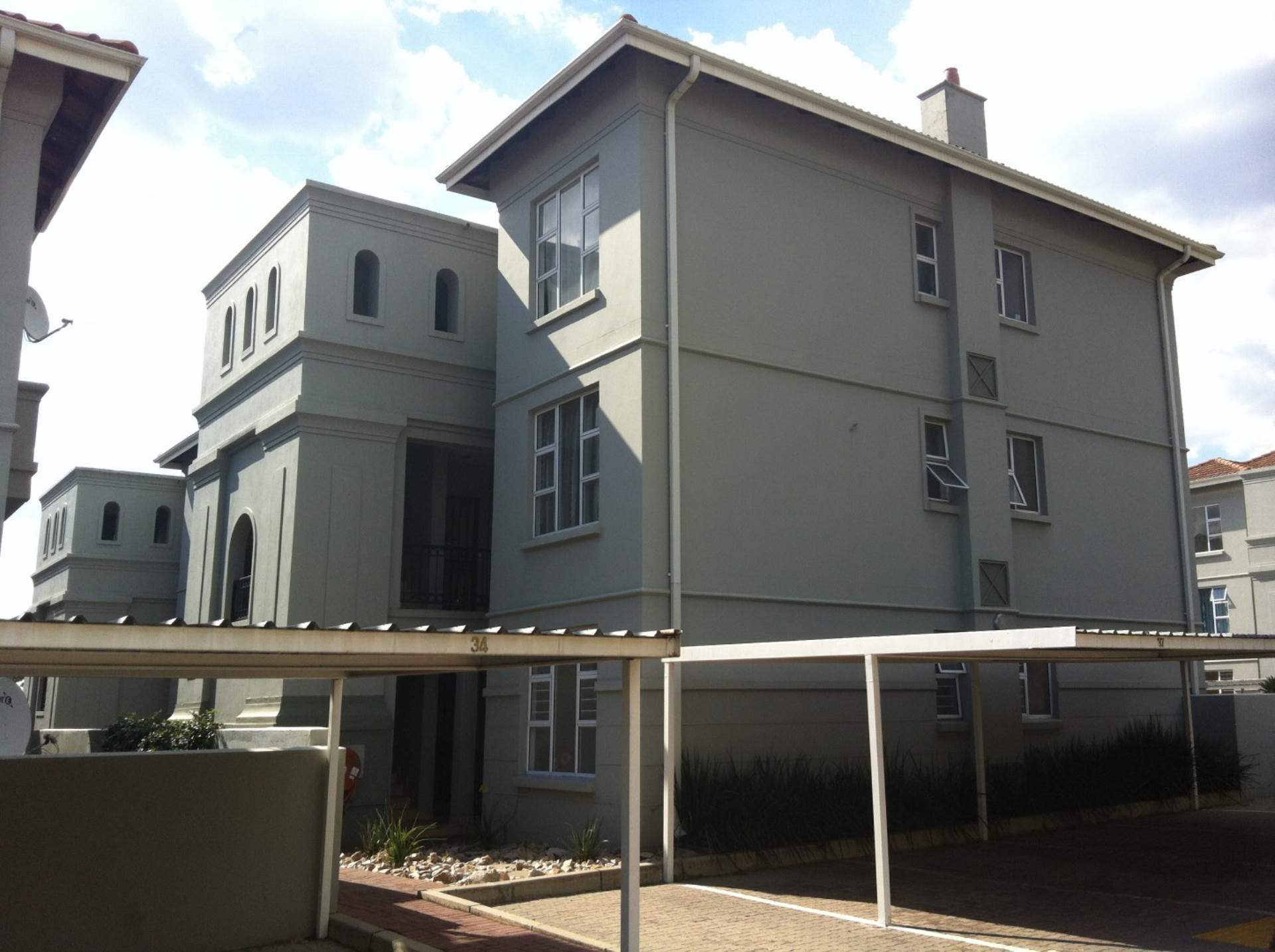 R 8950. Townhouse to rent ... & Property to rent