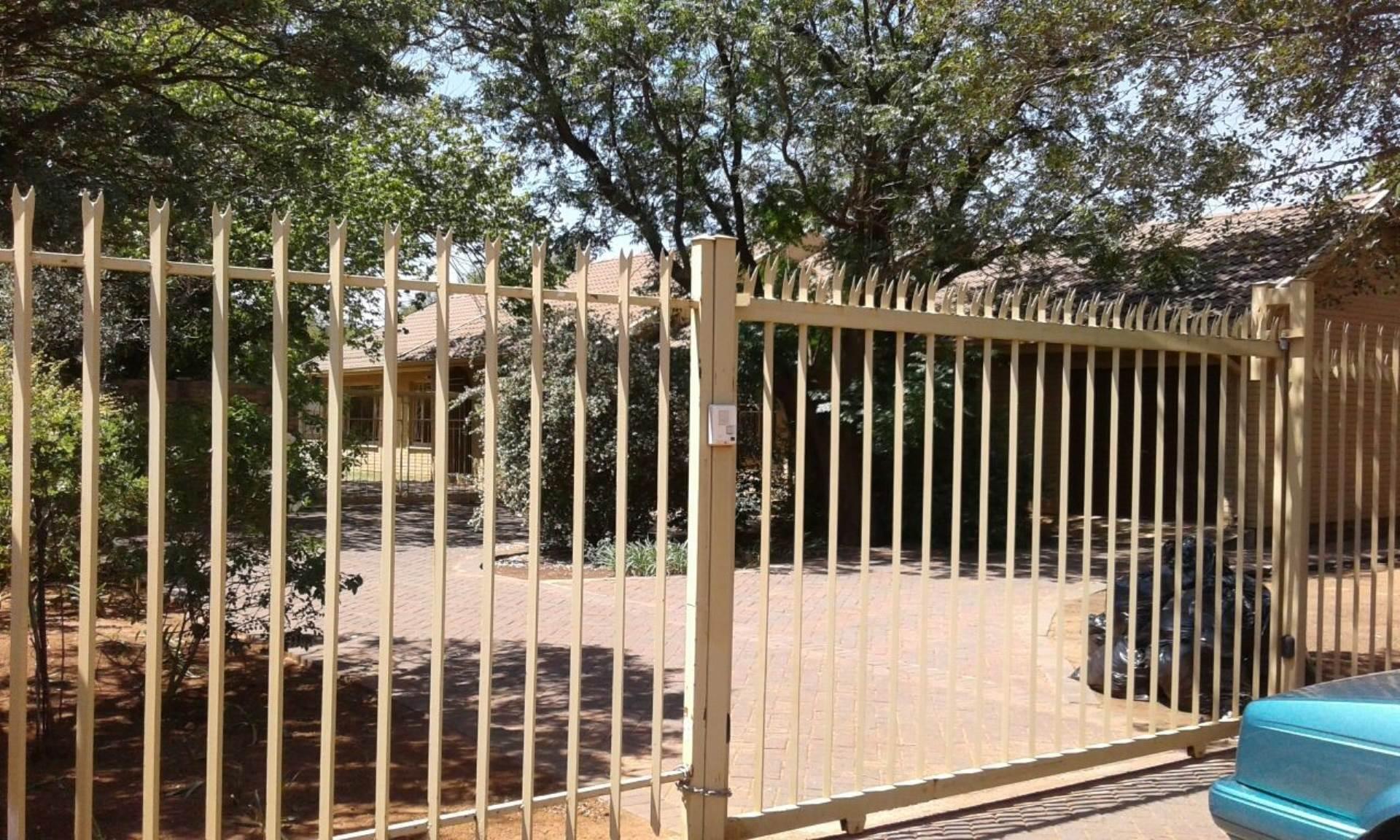 3 BedroomHouse For Sale In Universitas