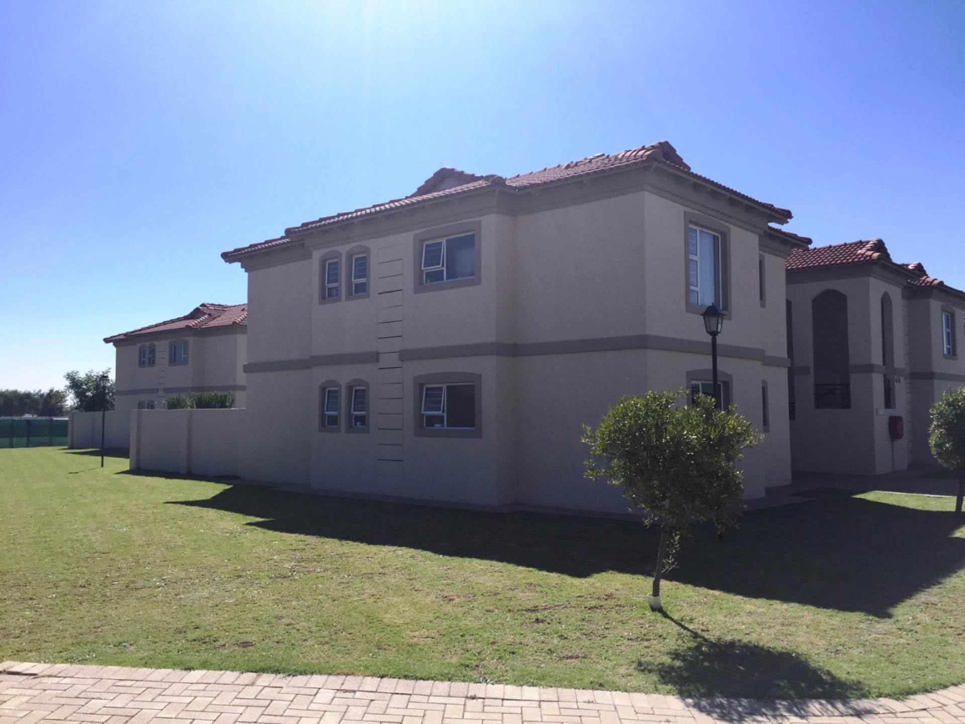 3 BedroomFlat To Rent In Morehill