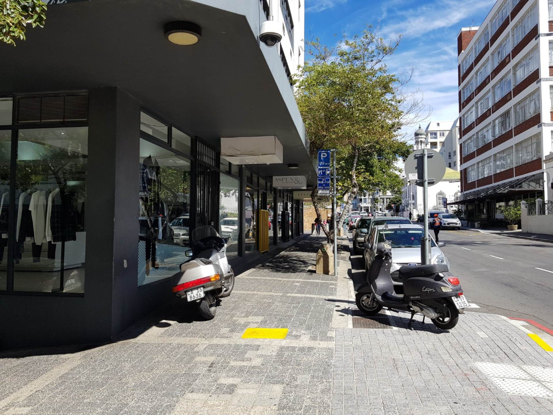 Cape Town property to rent. Ref No: 13475241. Picture no 2