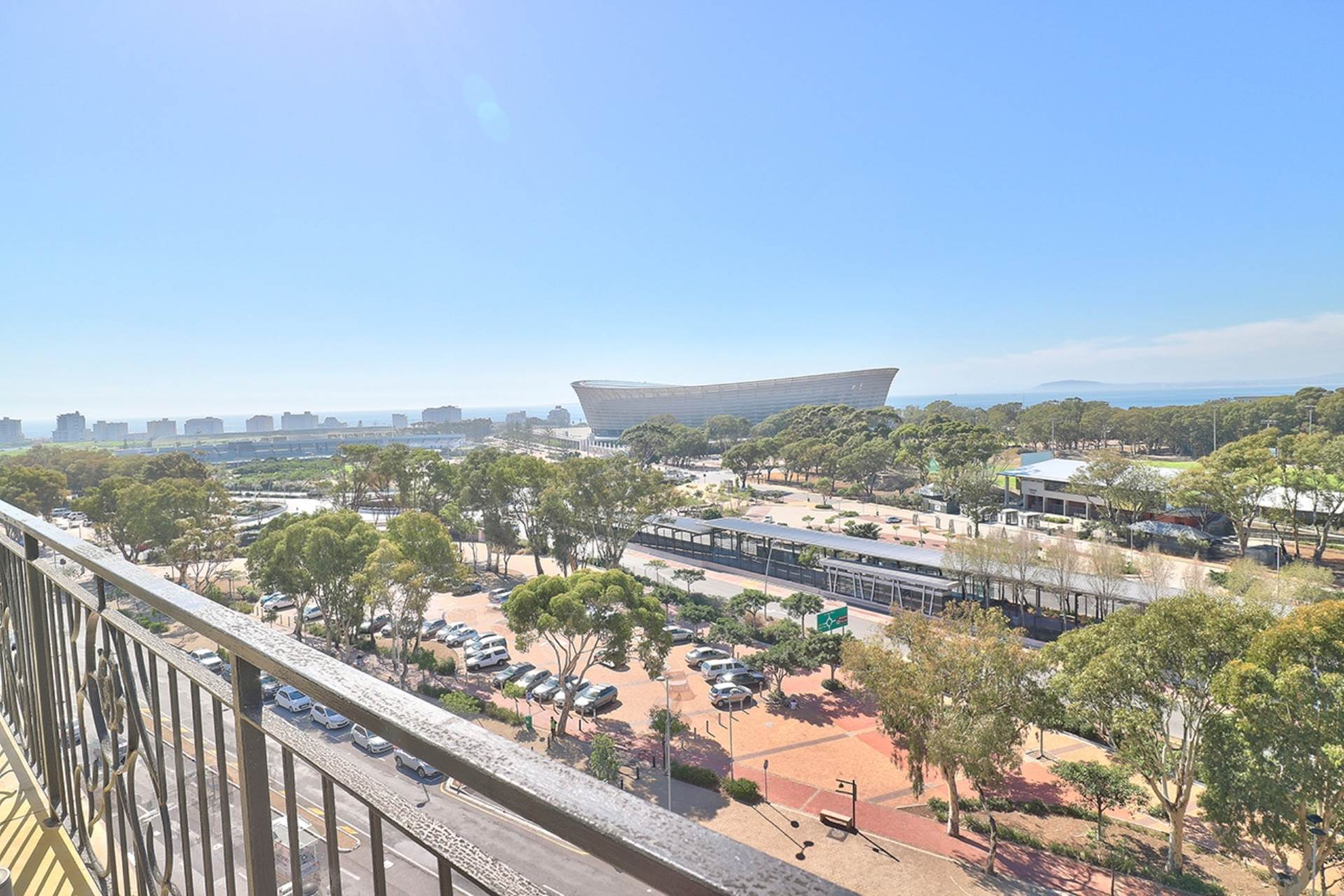 Green Point property for sale. Ref No: 13604397. Picture no 27