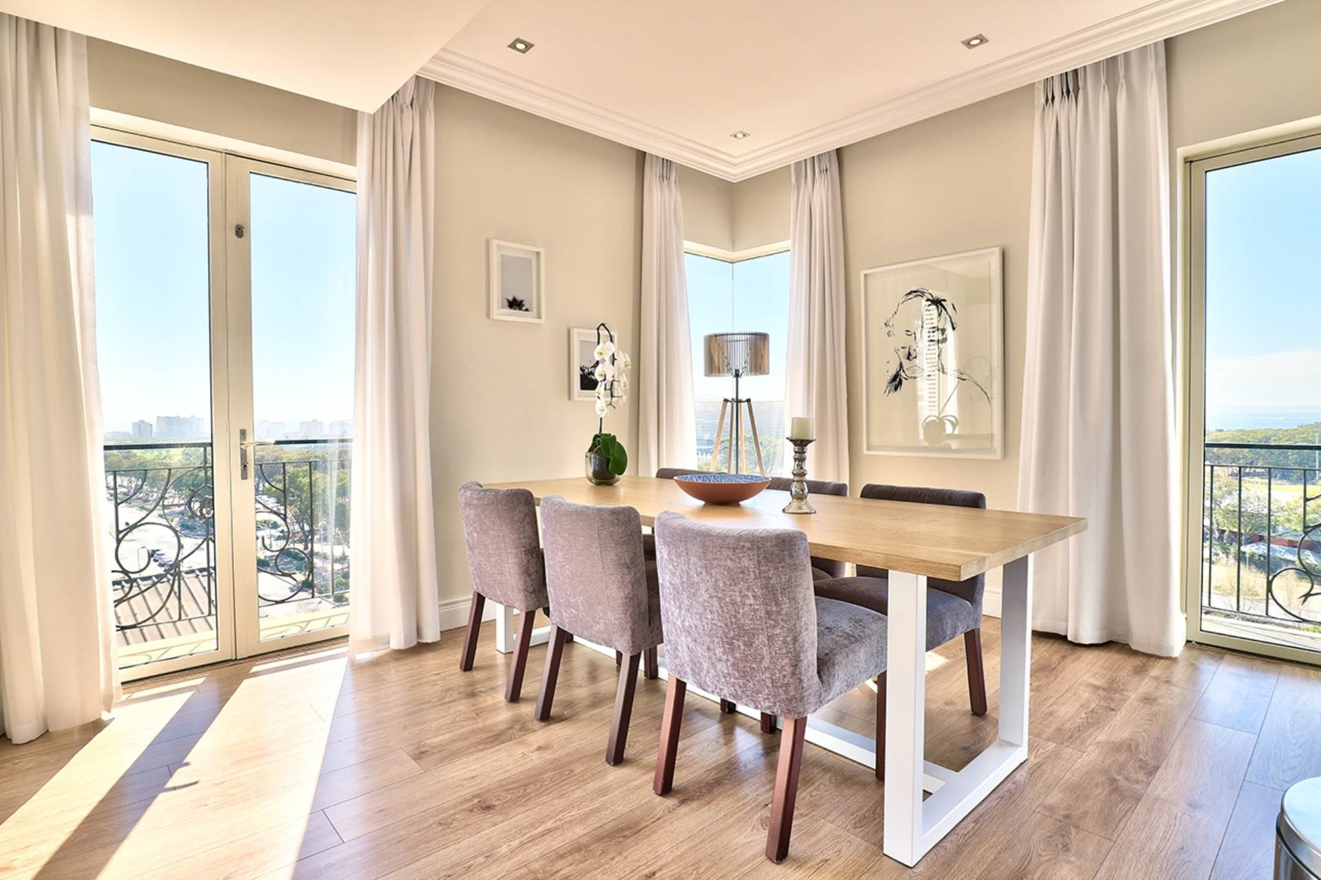 Green Point property for sale. Ref No: 13604397. Picture no 8