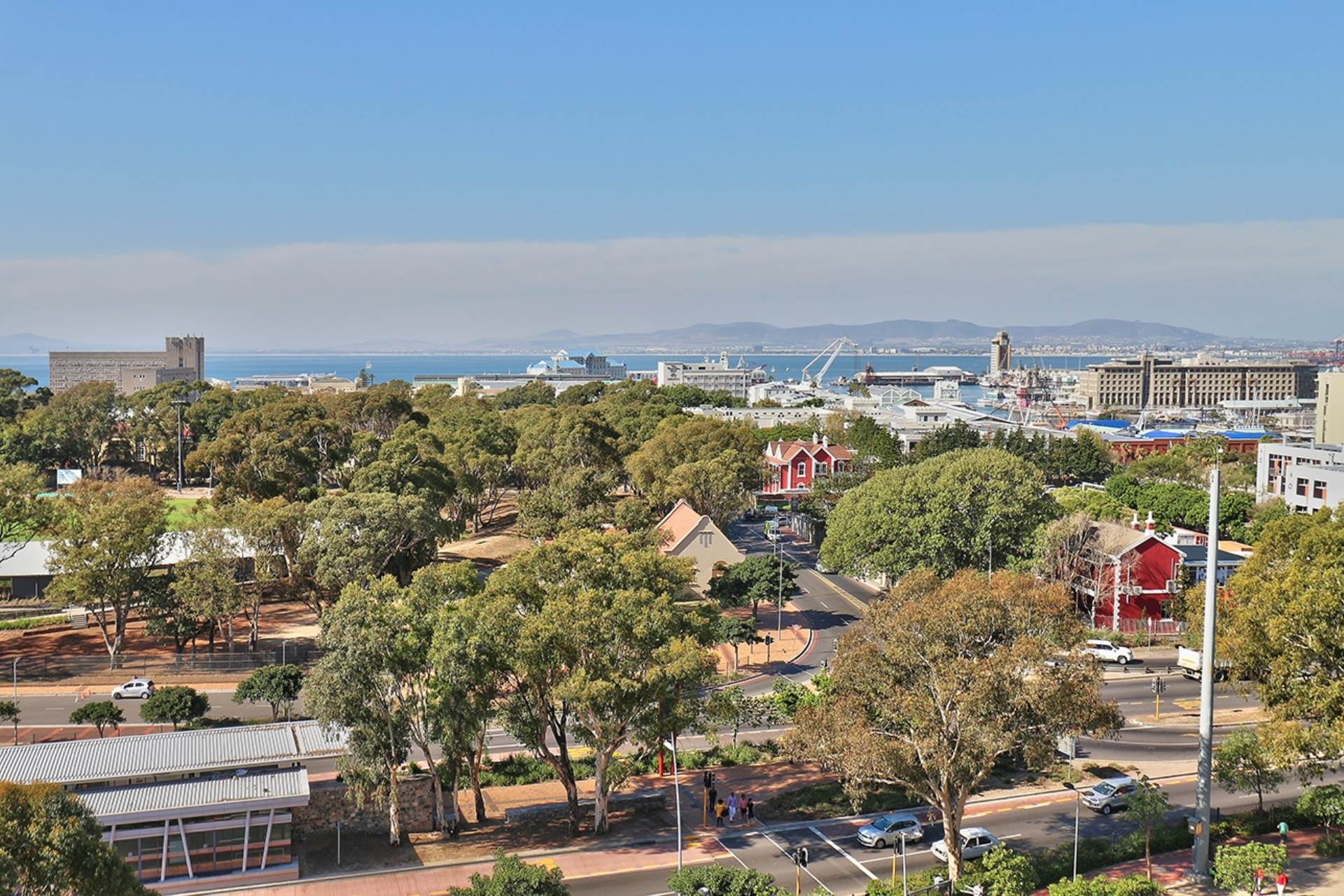 Green Point property for sale. Ref No: 13604397. Picture no 30
