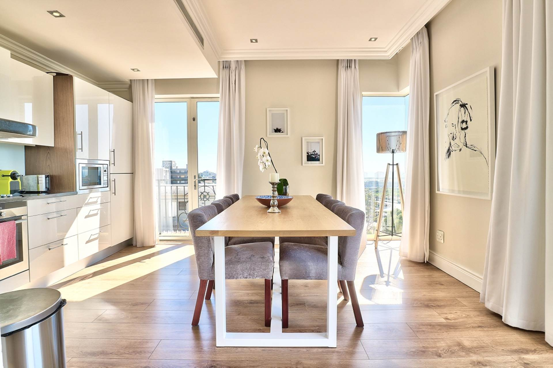 Green Point property for sale. Ref No: 13604397. Picture no 7