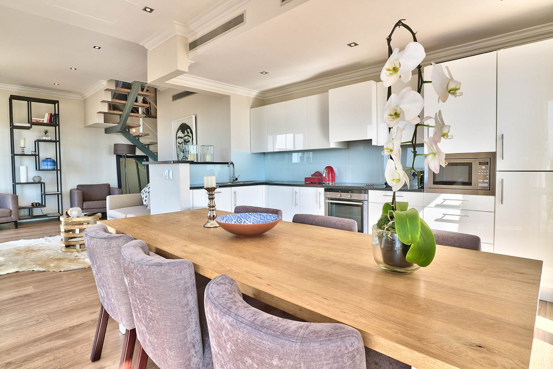 Green Point property for sale. Ref No: 13604397. Picture no 6